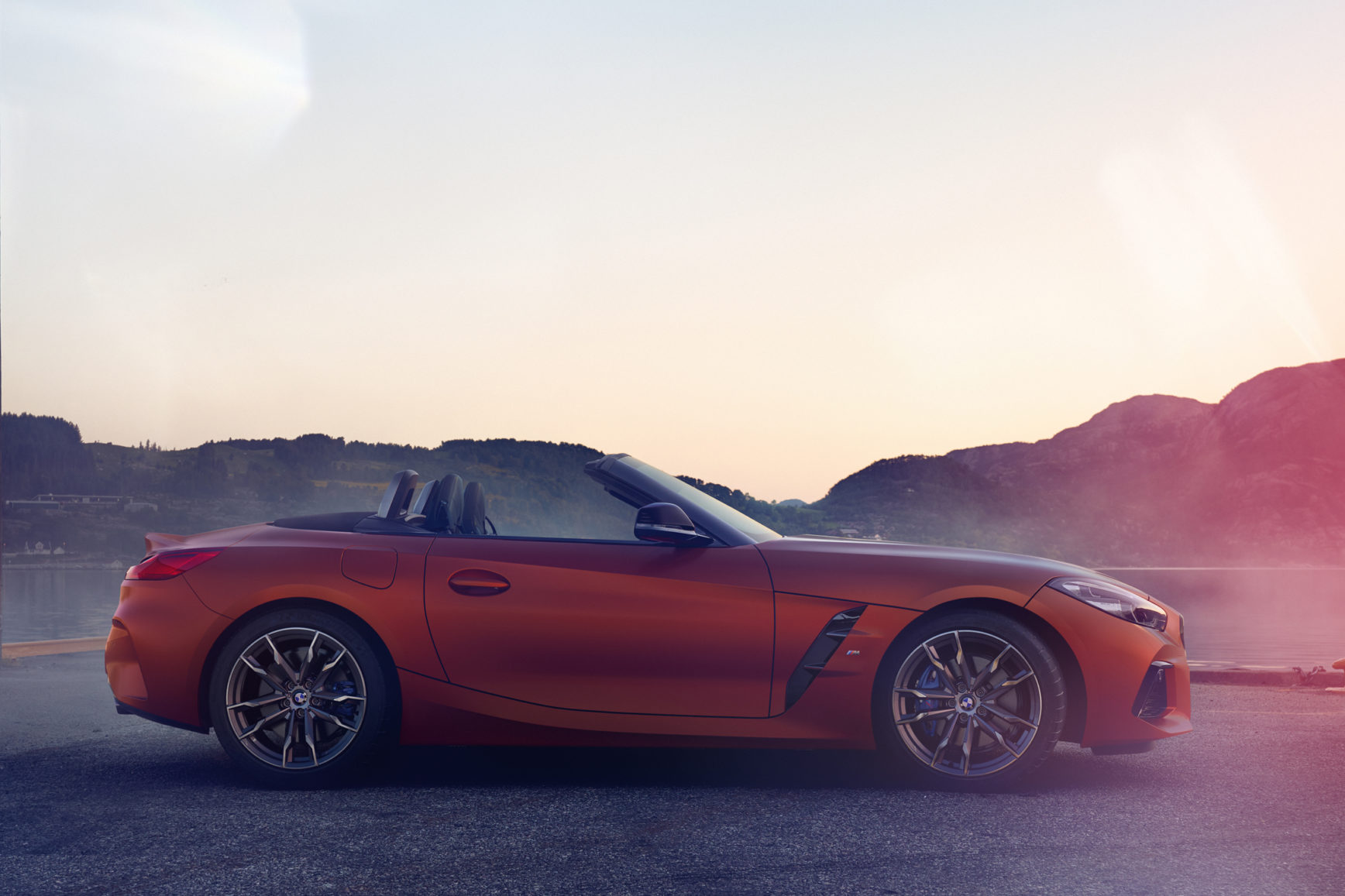 BMW Z4 Roadster - 2018 - side-face / profil