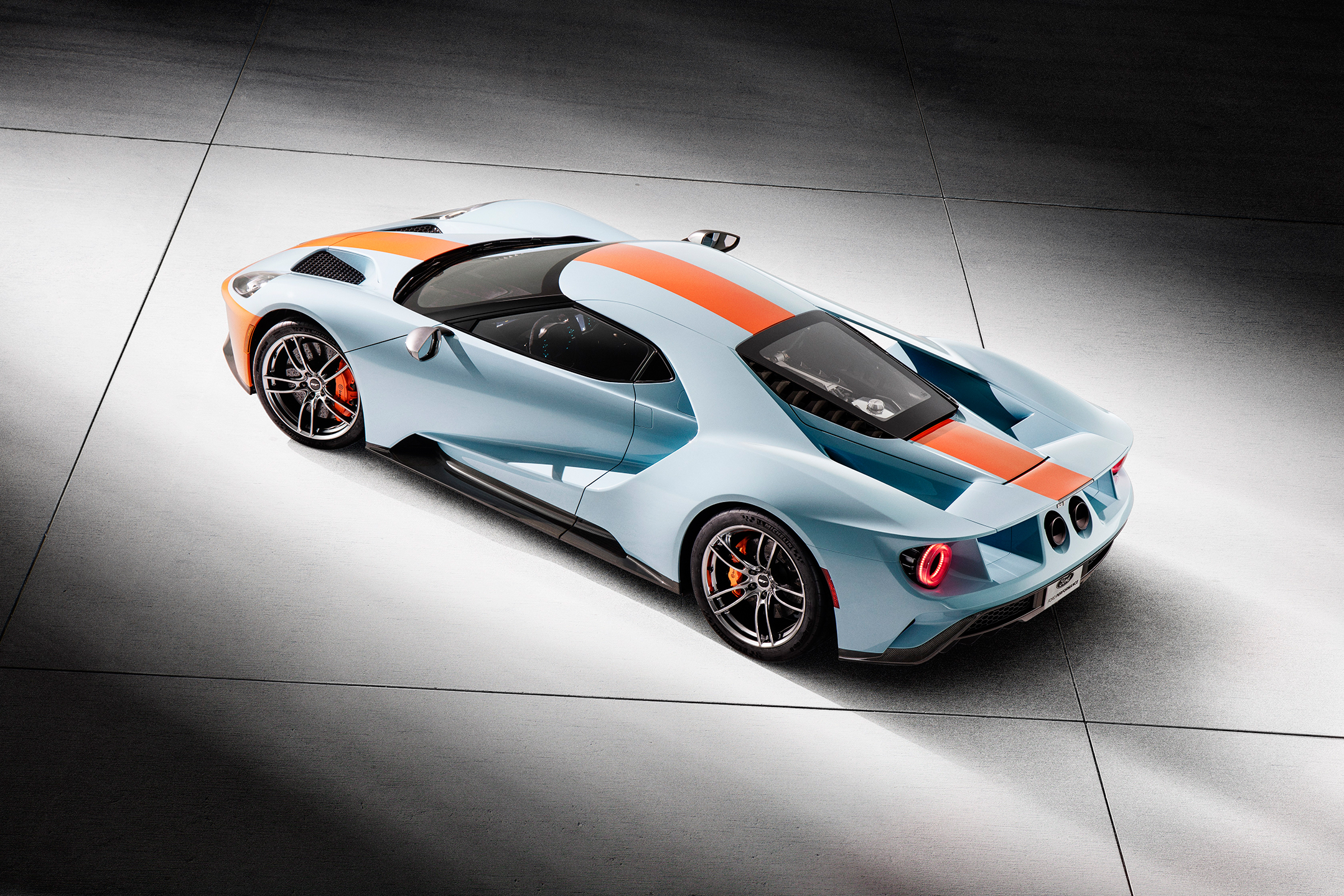 Ford GT Heritage Edition Gulf - 2018 - side-face / profil