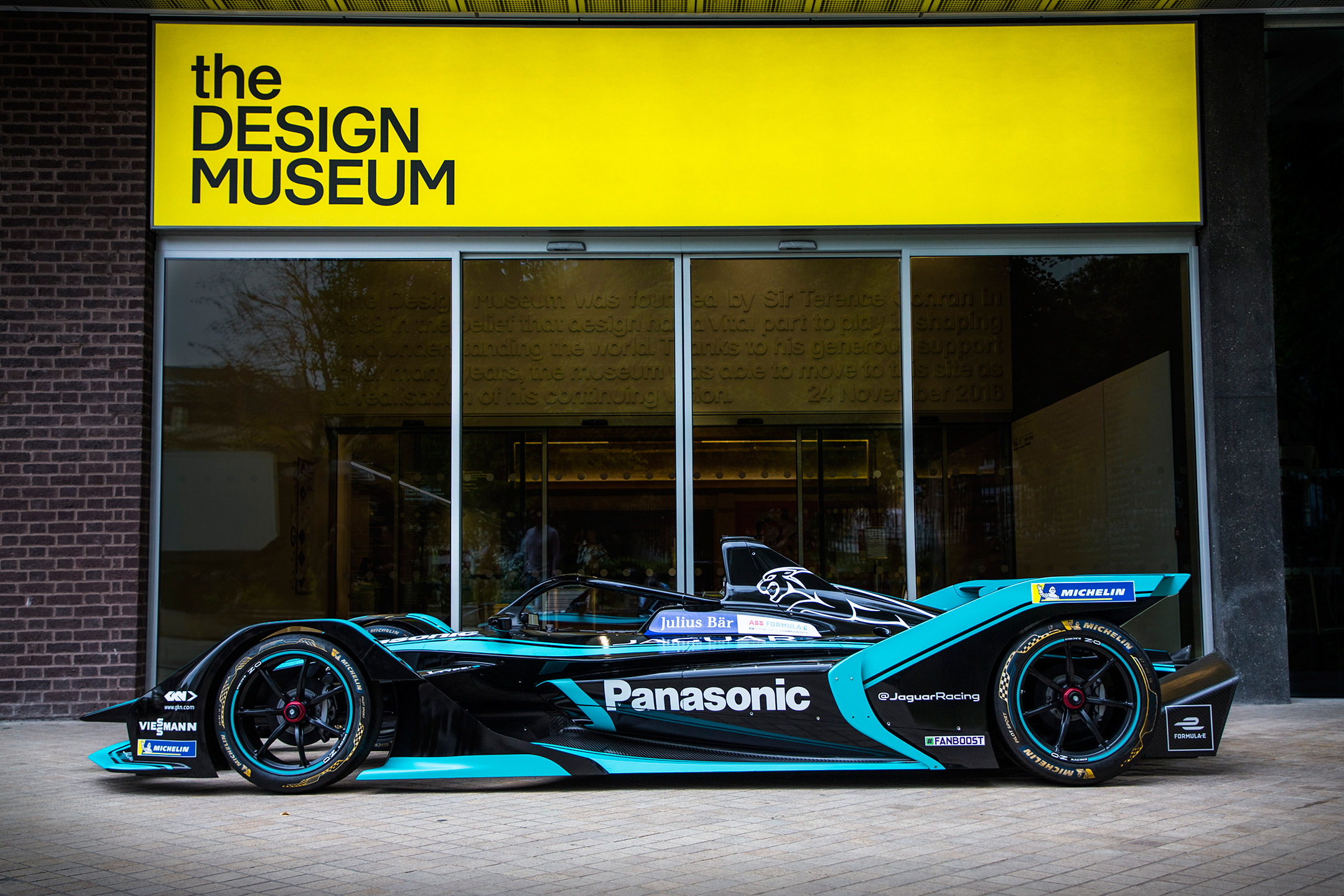 Jaguar I-Type 3 - FormulaE 2018/2019 - side-face - at the Design Museum, London
