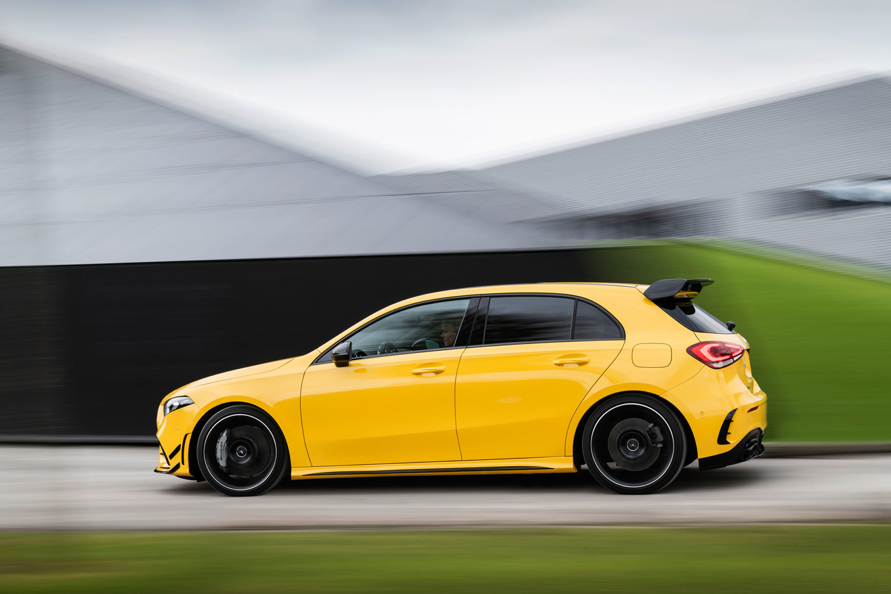 Mercedes-AMG A35 4MATIC - 2018 - side-face speed