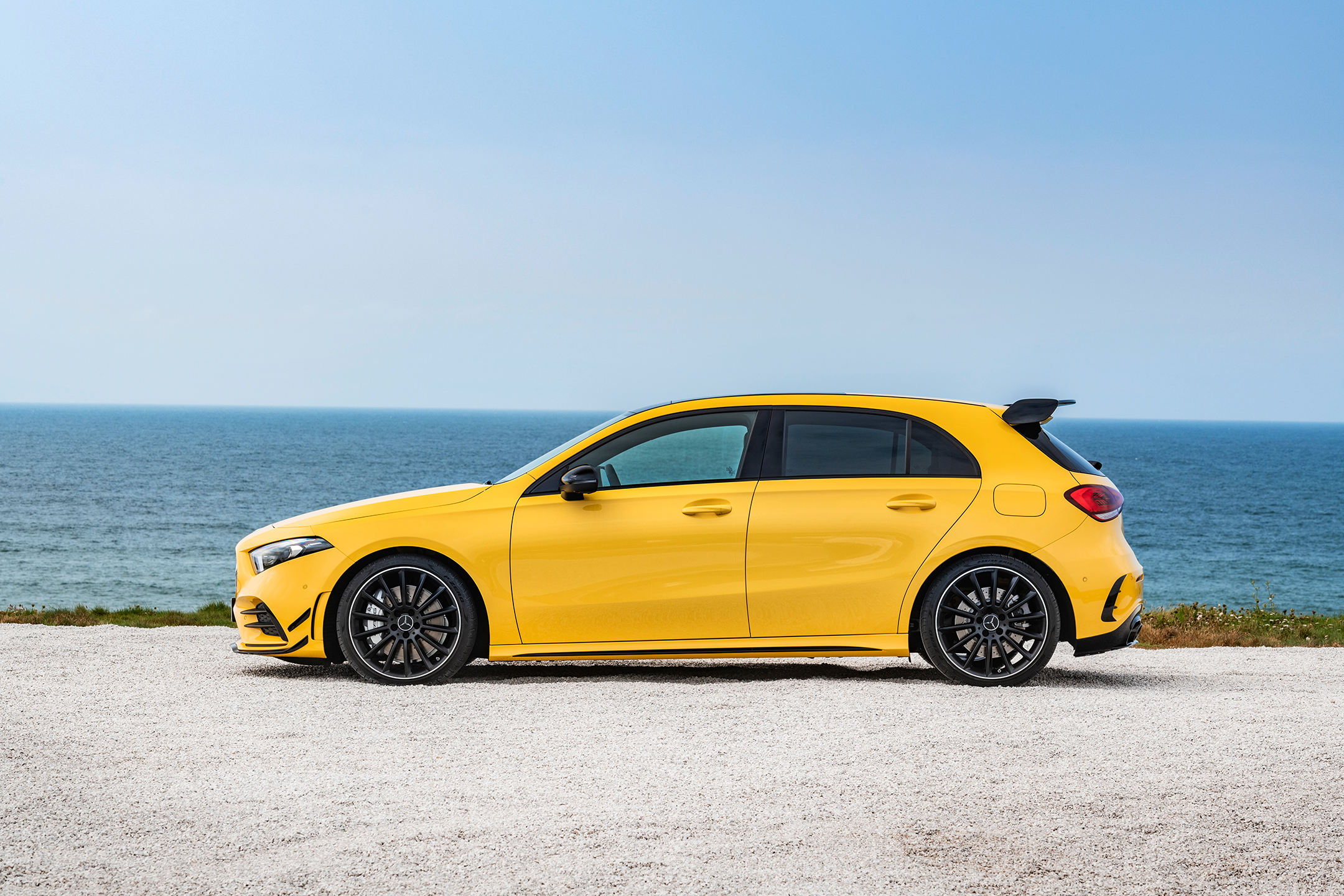 Mercedes-AMG A35 4MATIC - 2018 - side-face / profil