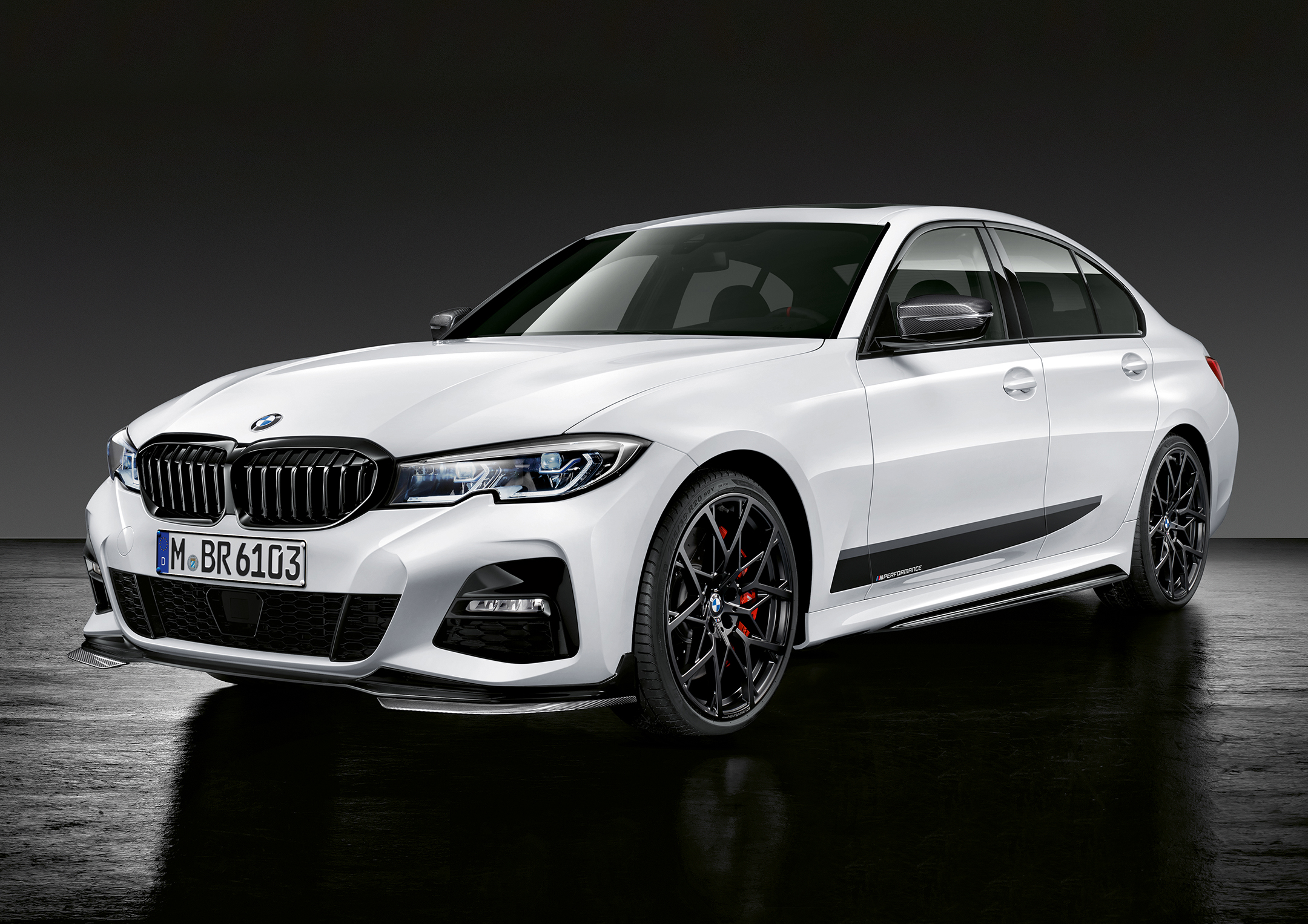 BMW Serie 3 Berline M Performance - 2018 - front side-face / profil avant