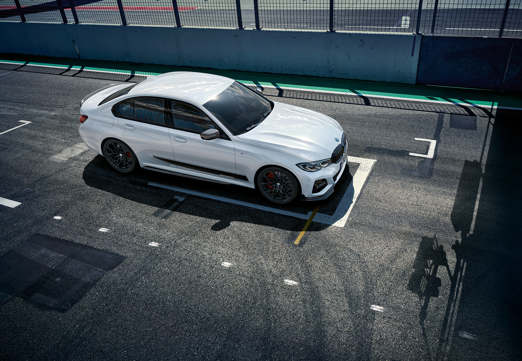 BMW Serie 3 Berline - 2018 - side-face track