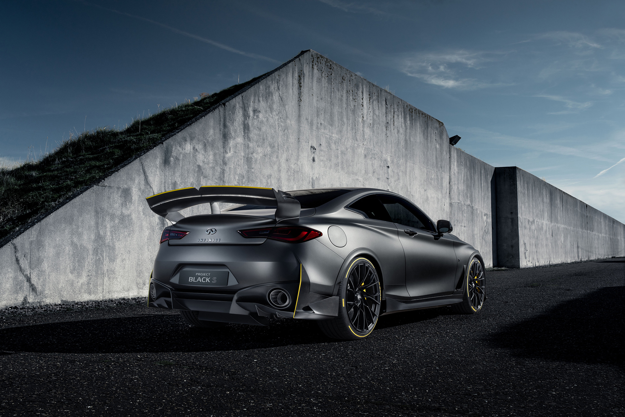 Infiniti Project Black S - 2018 - rear side-face / profil arrière