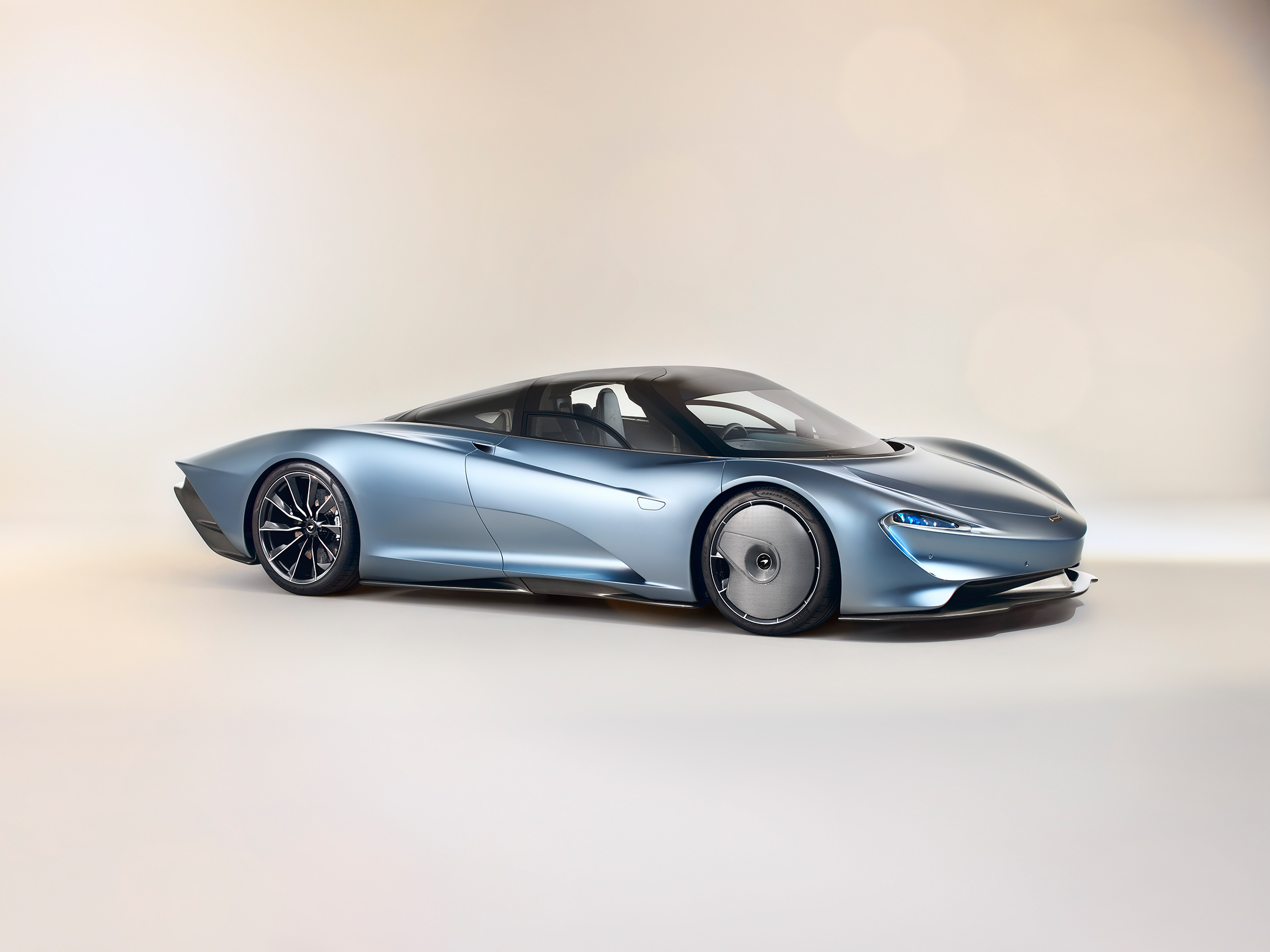 McLaren Speedtail - 2018 - front side-face / profil