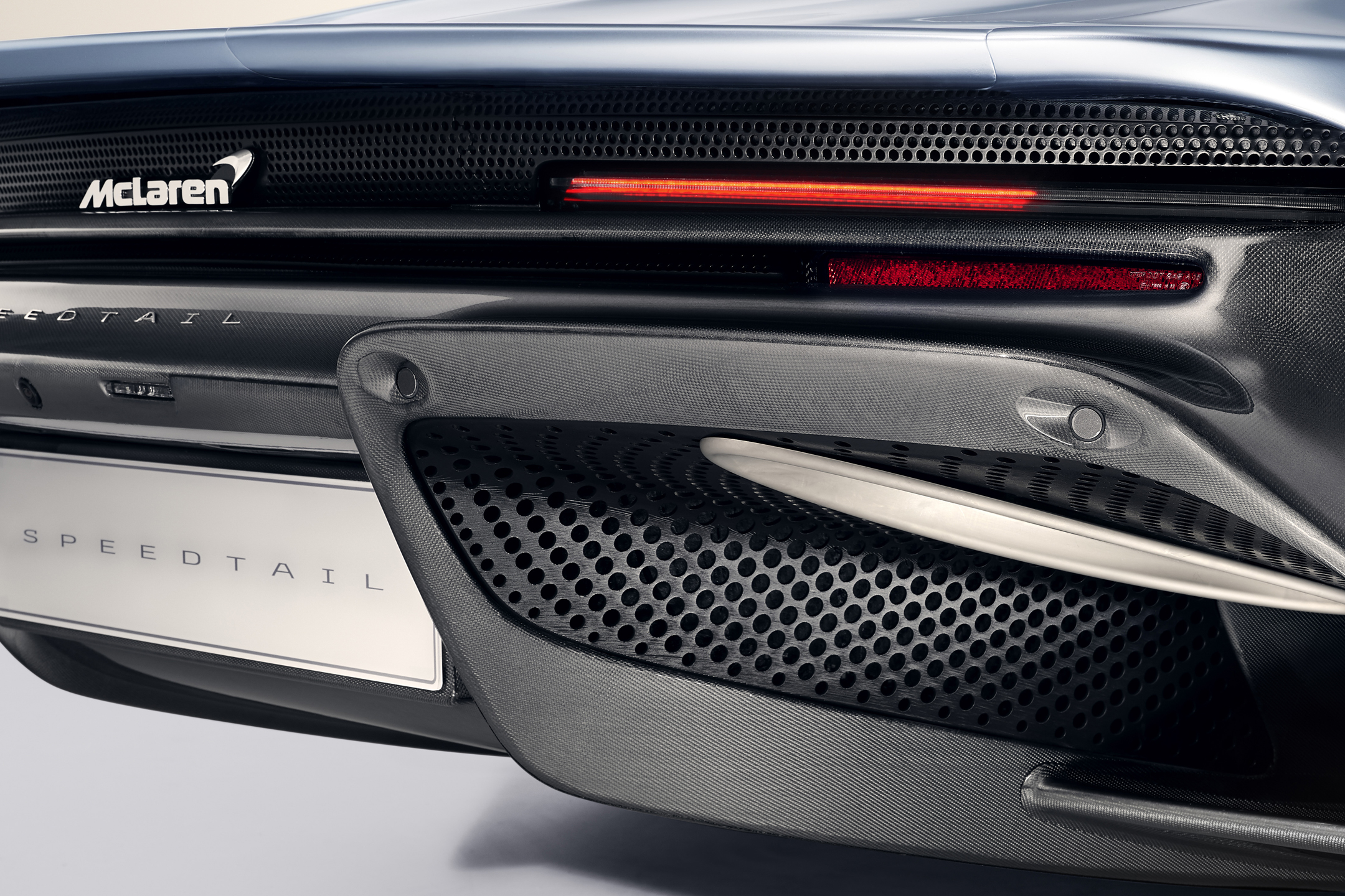 McLaren Speedtail - 2018 - rear light