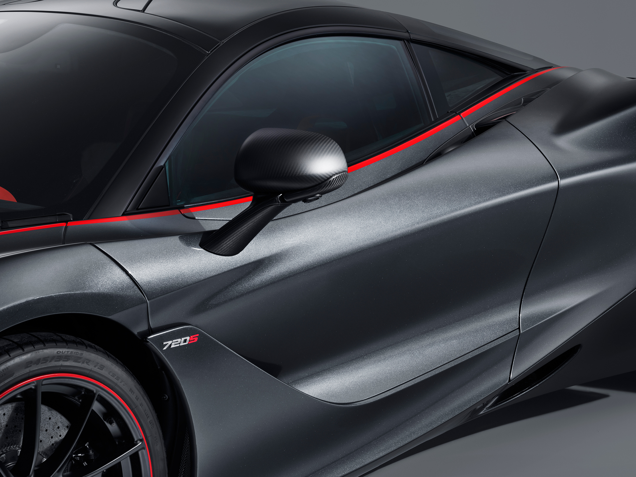 McLaren 720S Stealth Theme MSO - 2018 - side view