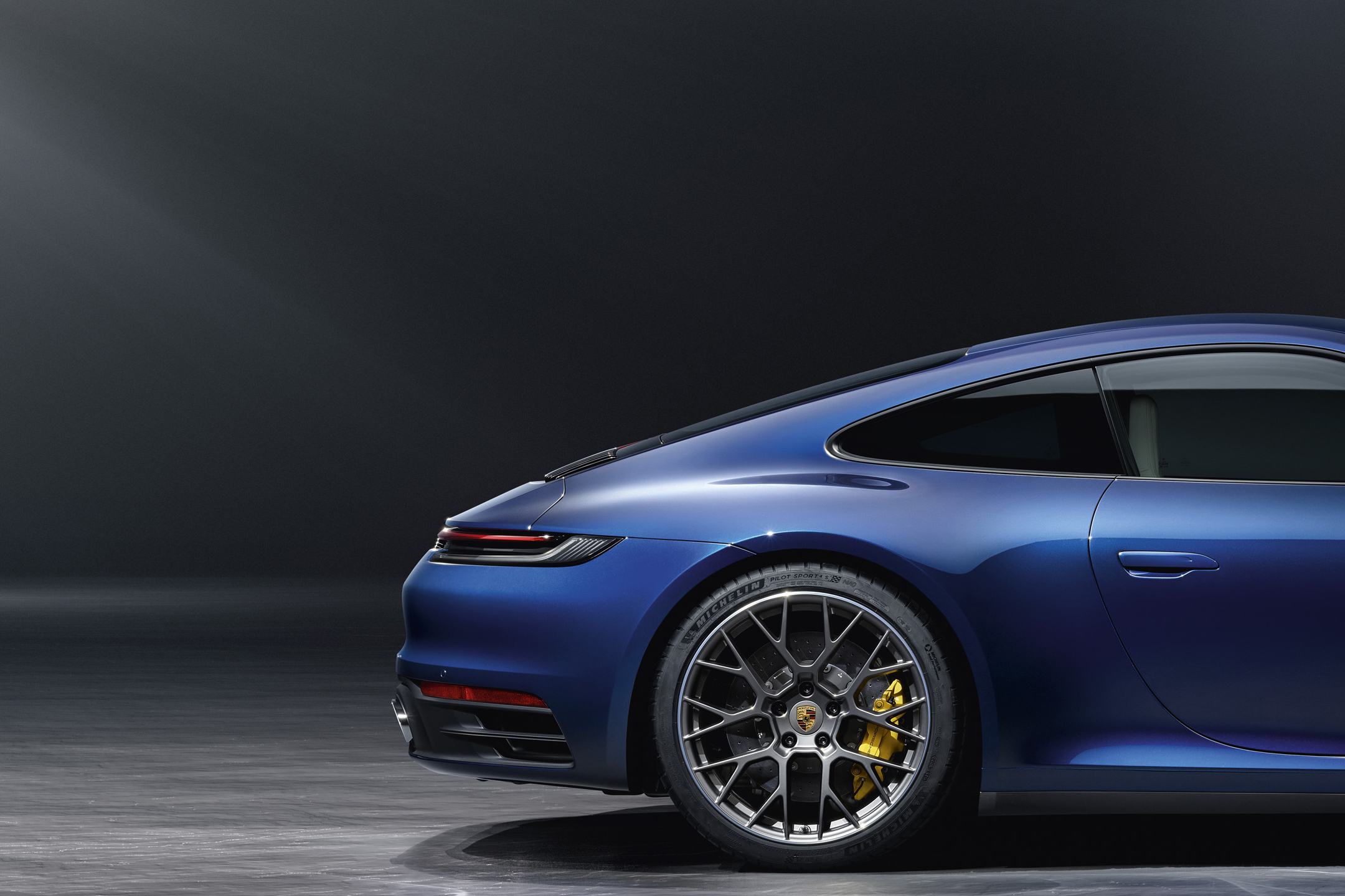 Porsche 911 type 992 Carrera 4S - 2018 - rear wheel