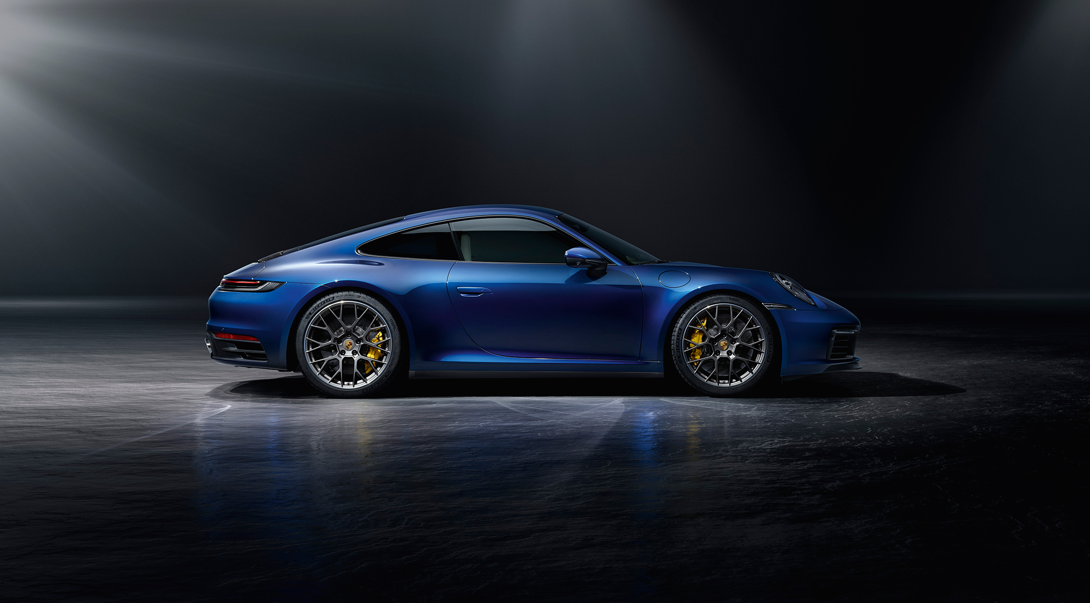 Porsche 911 type 992 Carrera4S - 2018 - side-face / profil