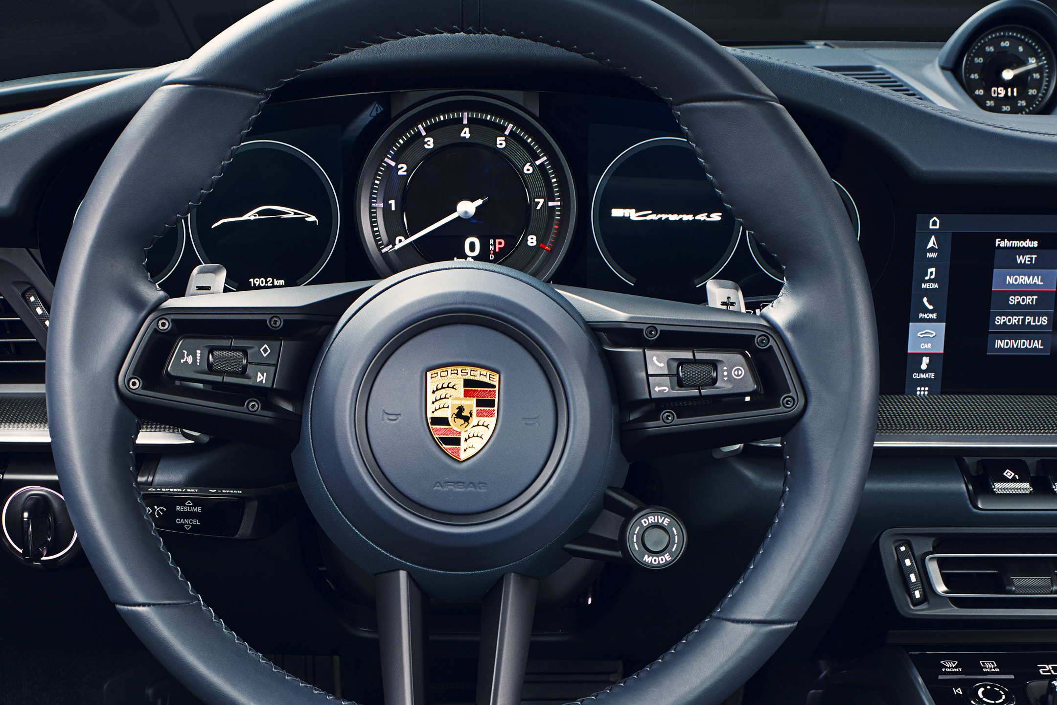 Porsche 911 type 992 Carrera 4S - 2018 - steering wheel / volant