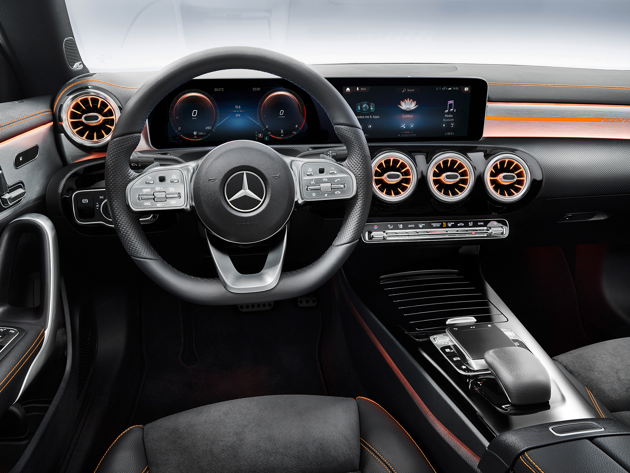 Mercedes-Benz CLA Coupe - 2019 - steering wheel / volant - dashboard / tableau de bord - Edition 1