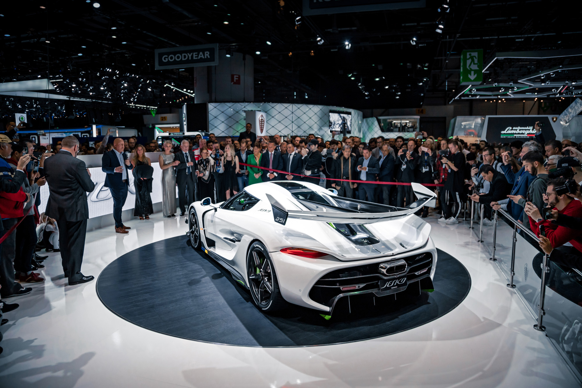 Koenigsegg Jesko - 2019 - rear side-face - Gims Swiss - photo by Keno Zache