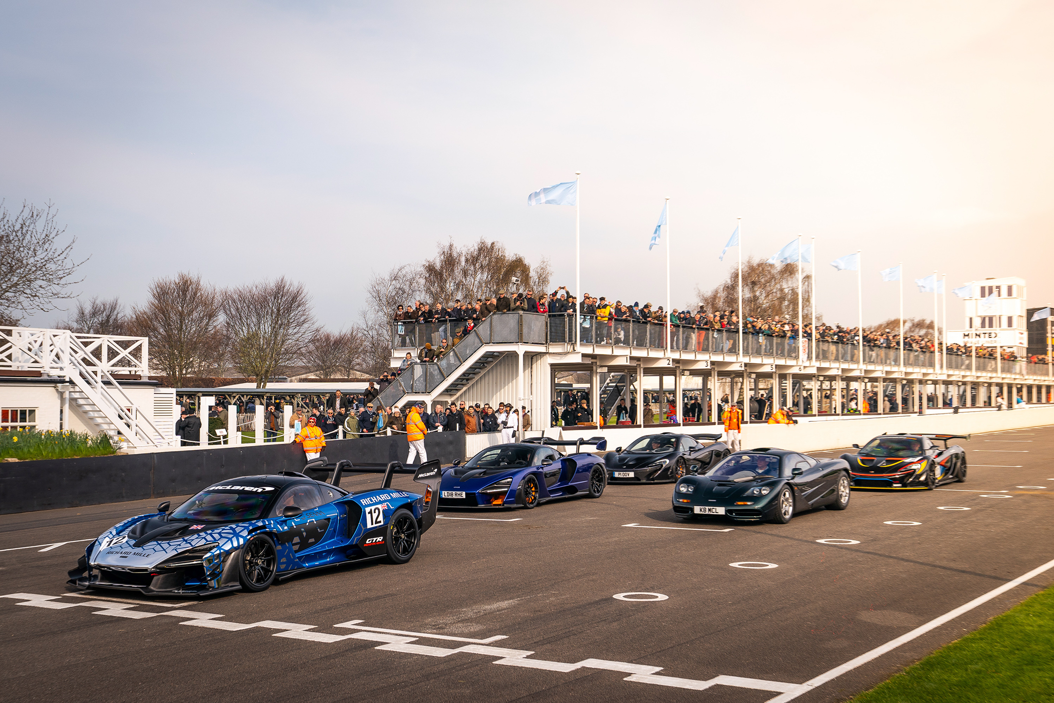 McLaren Senna GTR - Goodwood Motor Circuit - parade 77MM - 2019 - gMcLaren Senna GTR - Goodwood Motor Circuit - parade 77MM - 2019 - grid-start - photo via McLaren Automotiverid-start - photo via McLaren Automotive