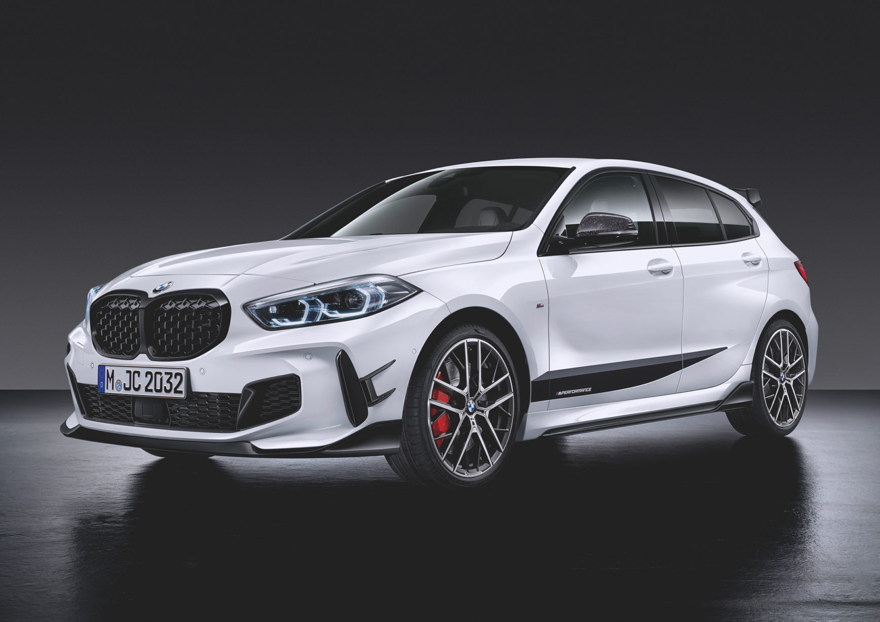 BMW 1 Series M135i xDrive M Performance Parts - 2019 - front side-face / profil avant