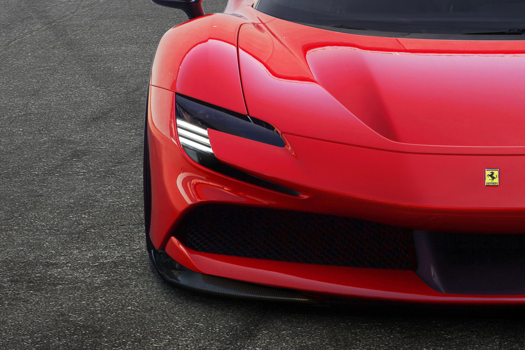 Ferrari SF90 Stradale - 2019 - front light