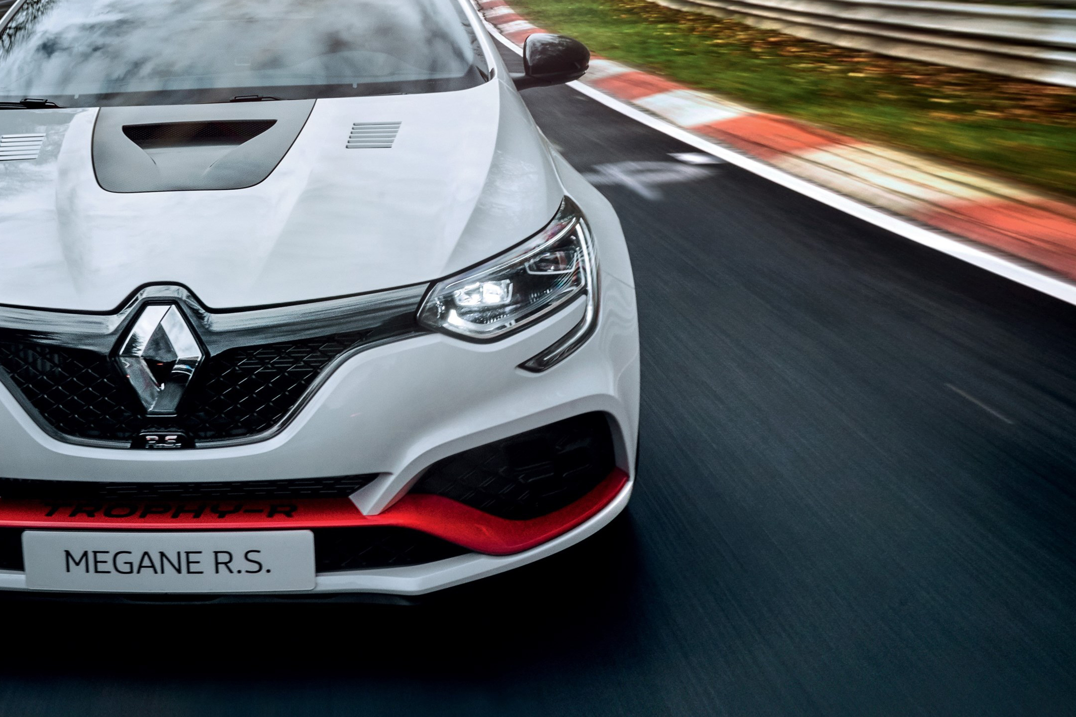 Renault Mégane R.S. Trophy-R - 2019 - front light- speed track - Nürburgring