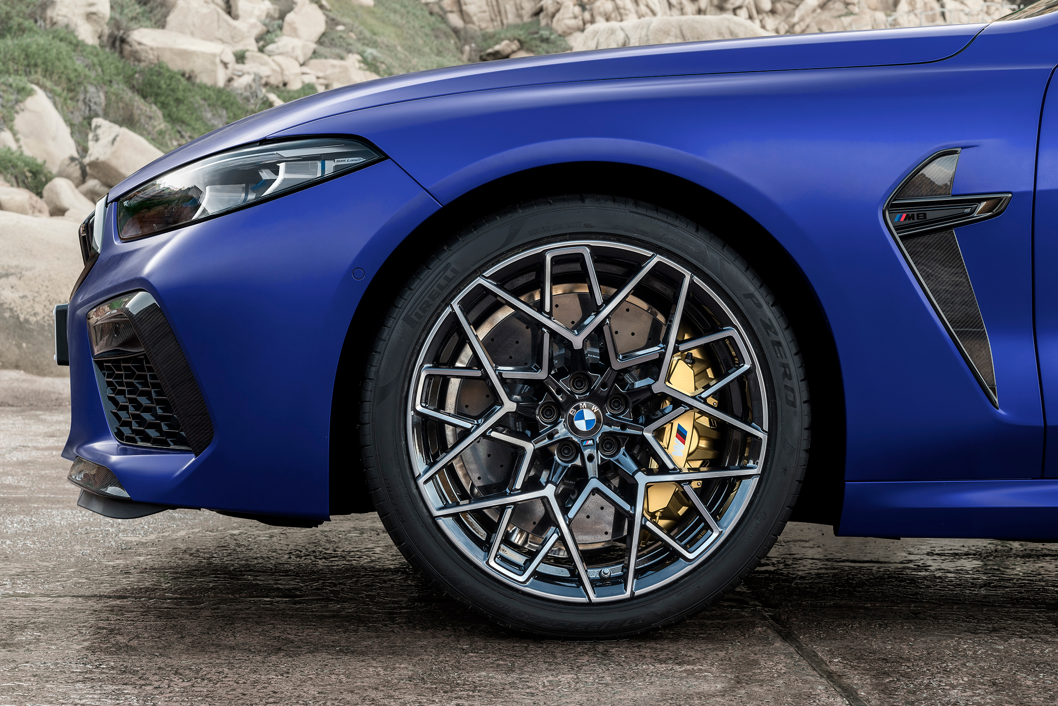 BMW M8 Competition Coupe - 2019 - front wheel / jante avant