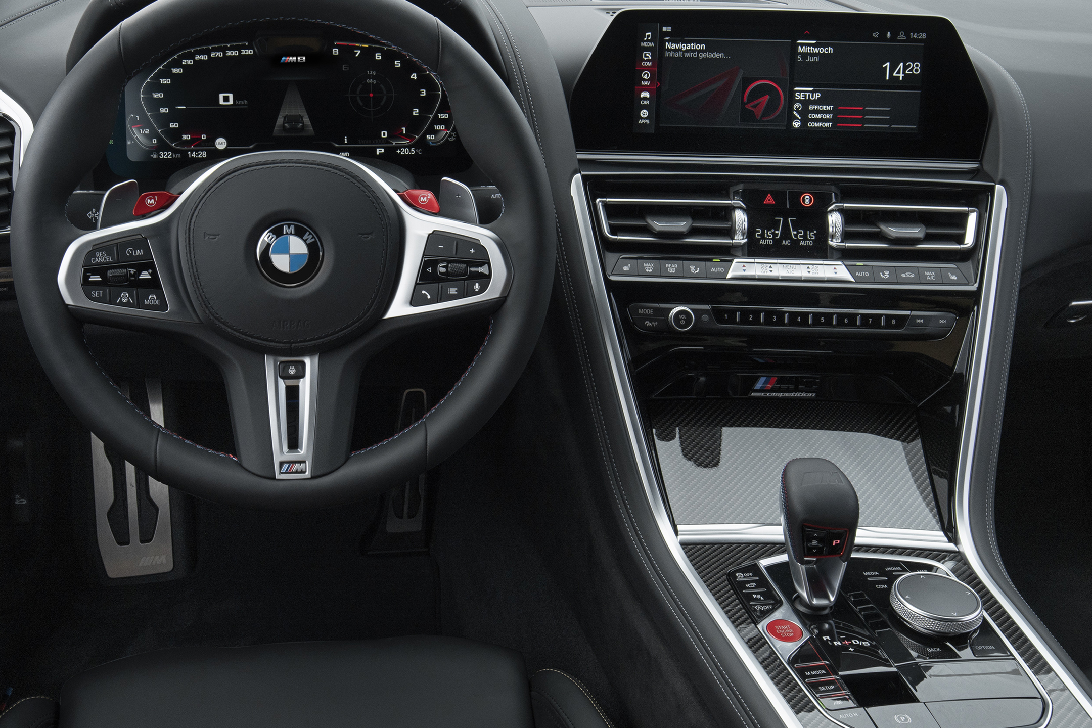 BMW M8 Competition Coupe - 2019 - steering wheel / volant