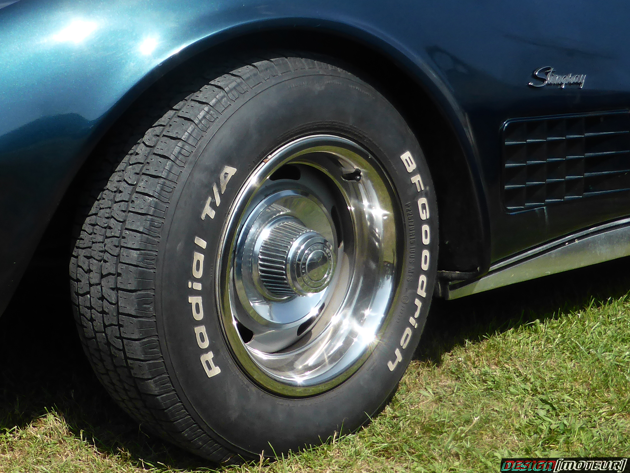 Chevrolet Corvette C3 Stingray - front wheel - 2019 - Breizh Pickers - parking expo - photo ELJ DESIGNMOTEUR