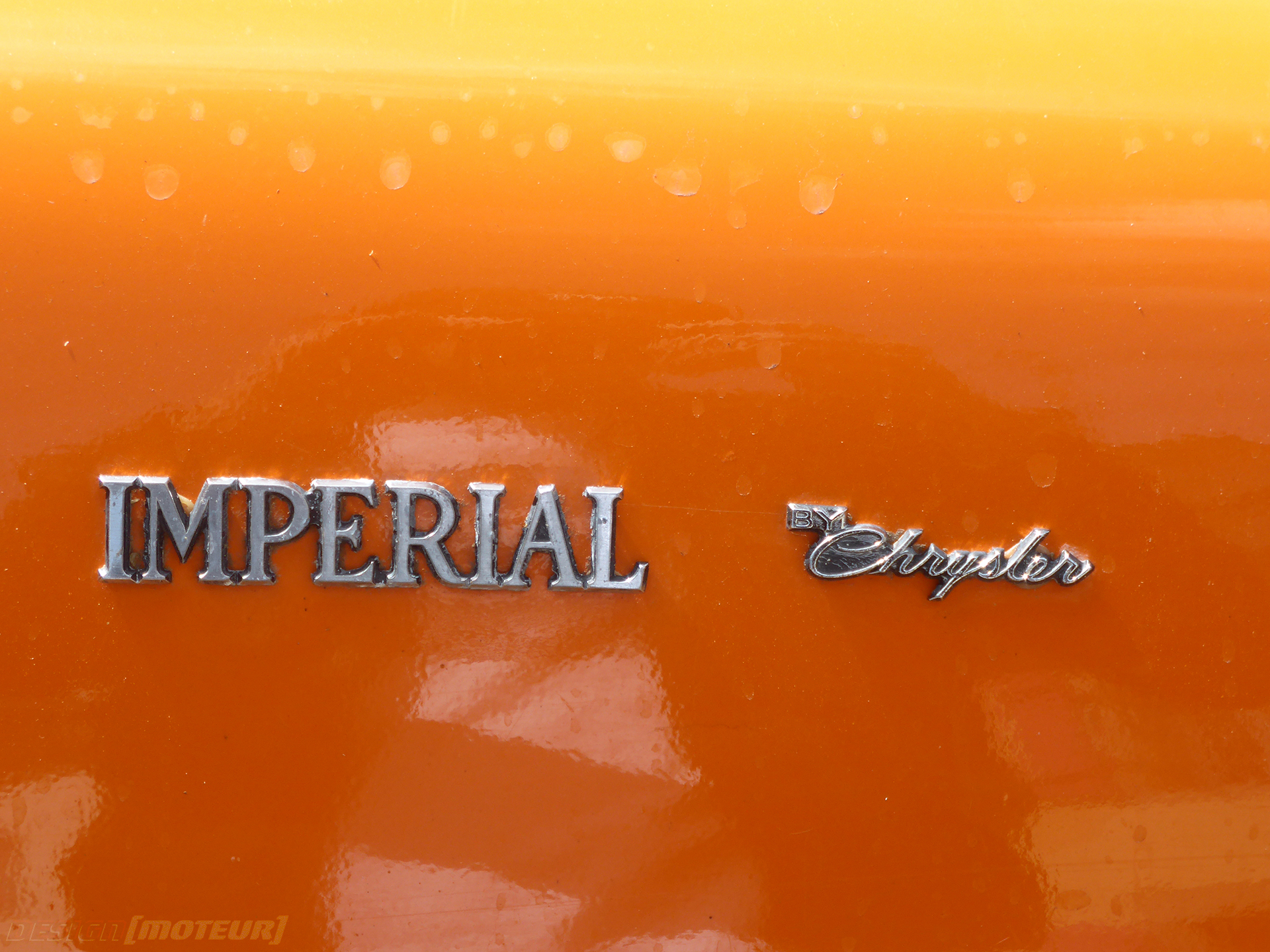 Chrysler Imperial LeBaron 1970s - rear logo - US Cars and Bikes 2019 - photo ELJ DESIGNMOTEUR