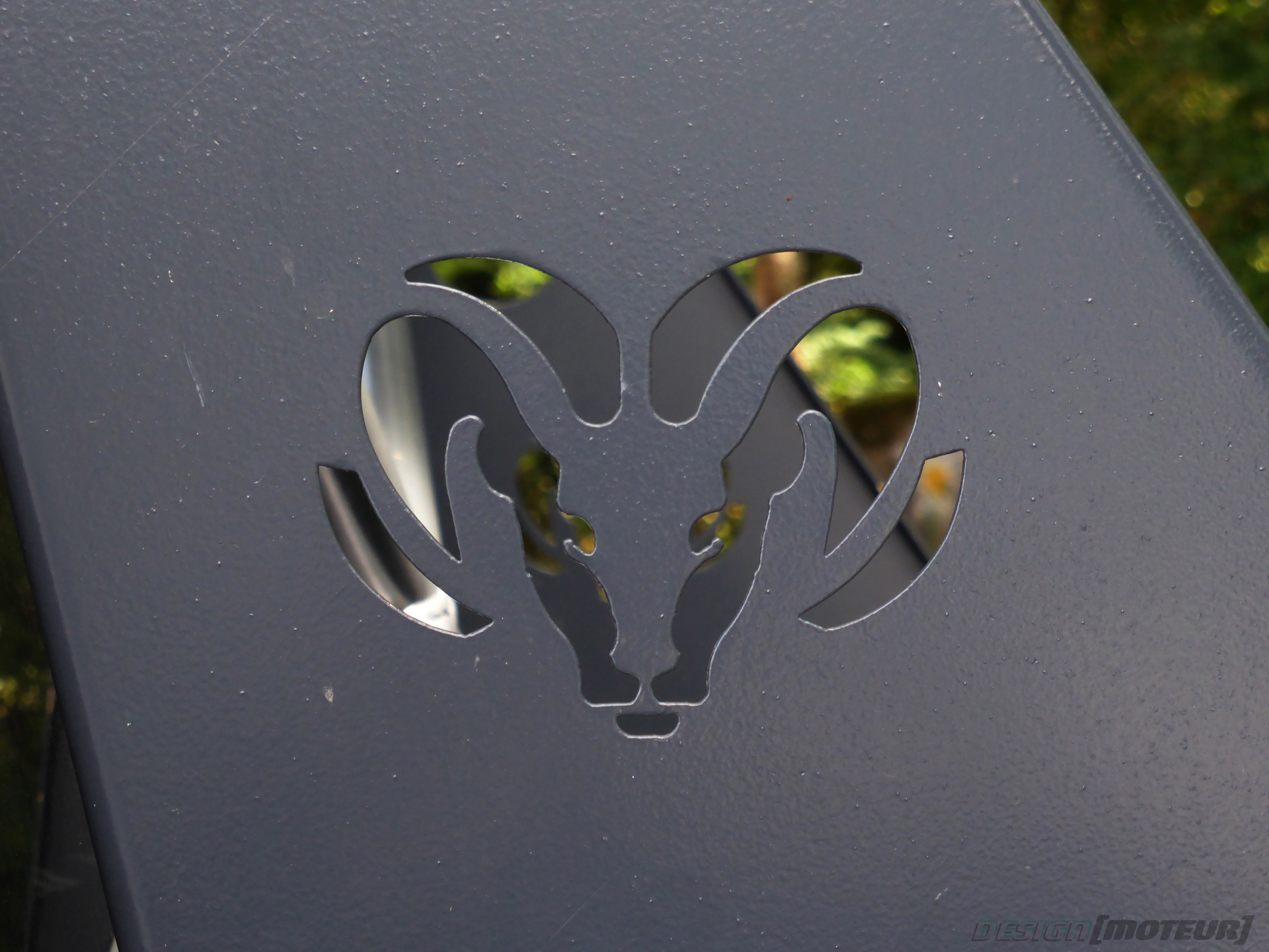 Dodge Ram - outside logo - US Cars and Bikes 2019 - photo ELJ DESIGNMOTEUR