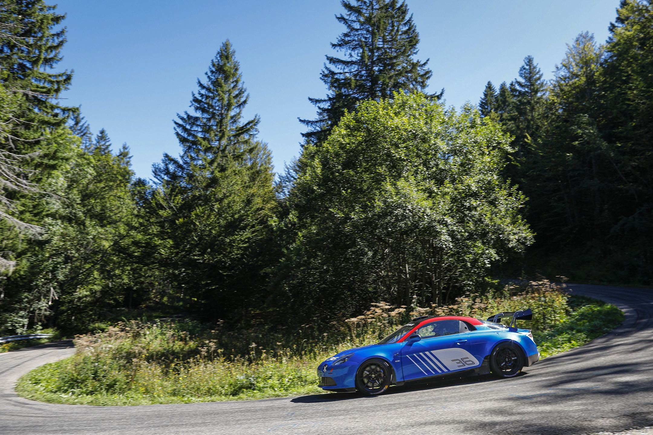 Alpine A110 Rally - 2019 - side-face road