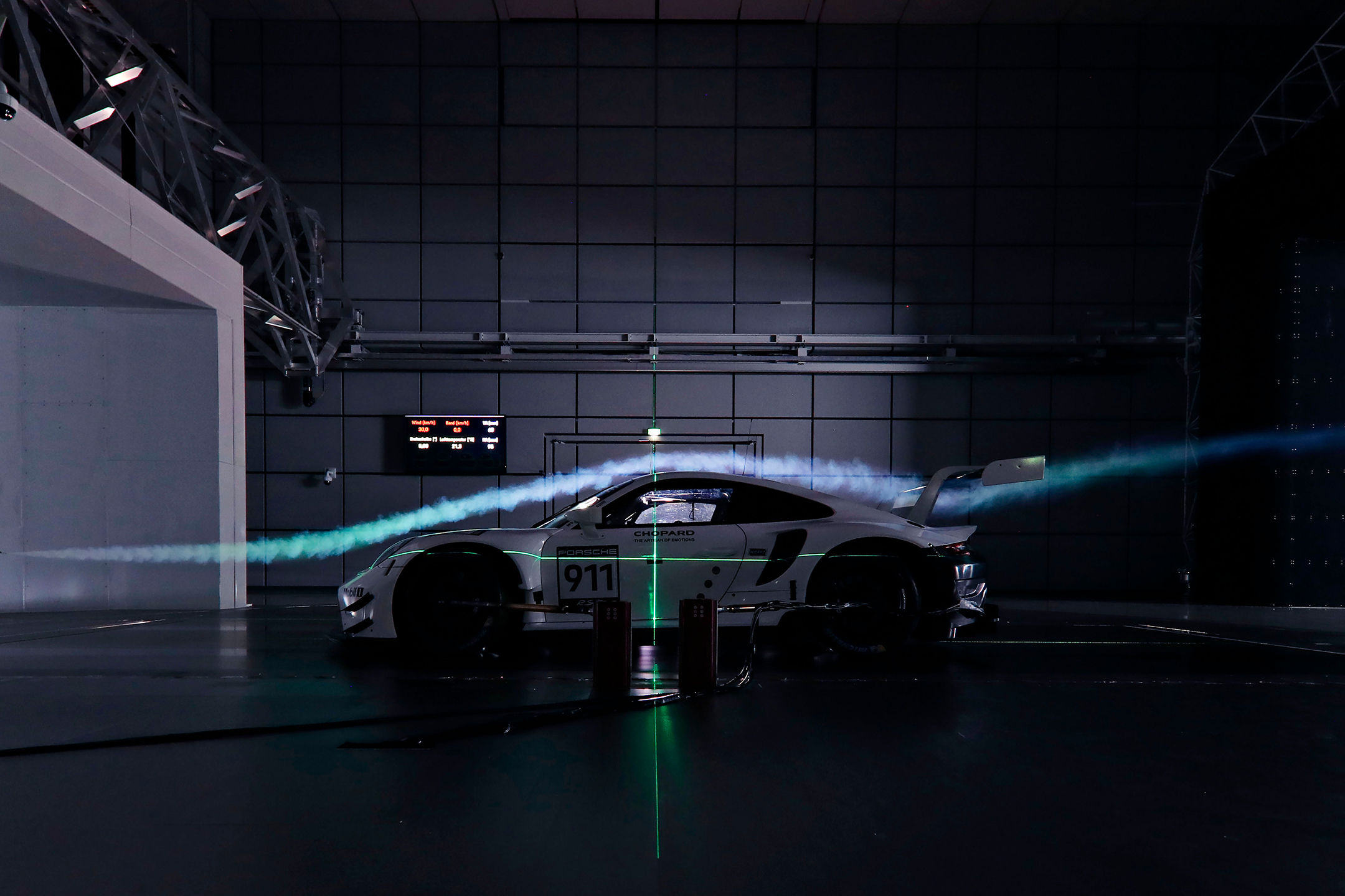 Porsche 911 RSR-19 - 2019 - side-face - work in progress - aero testing - dark - wind tunnel / soufflerie