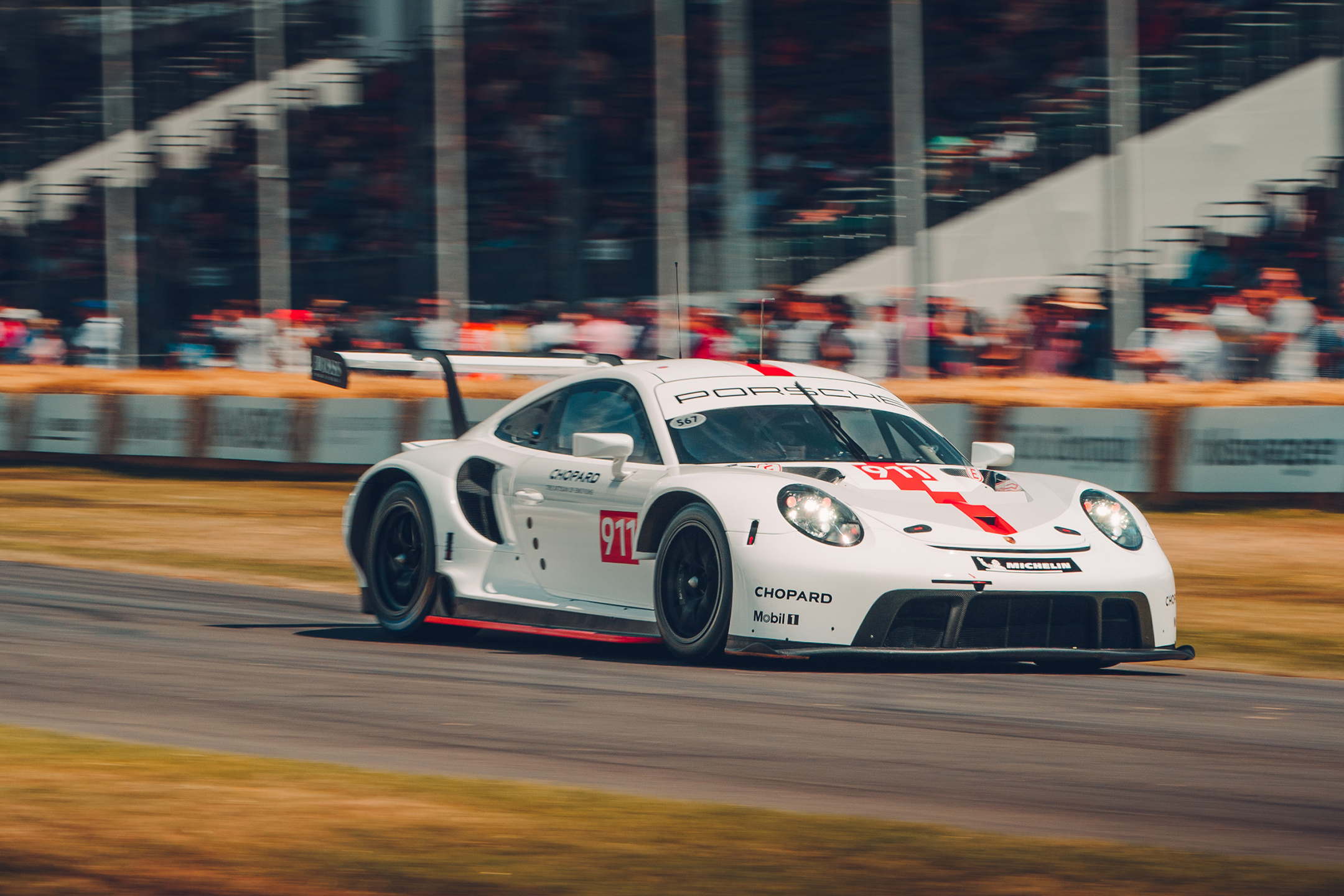 Porsche 911 RSR-19 - 2019 - side-face - track - reveal - Goodwood Festival of Speed