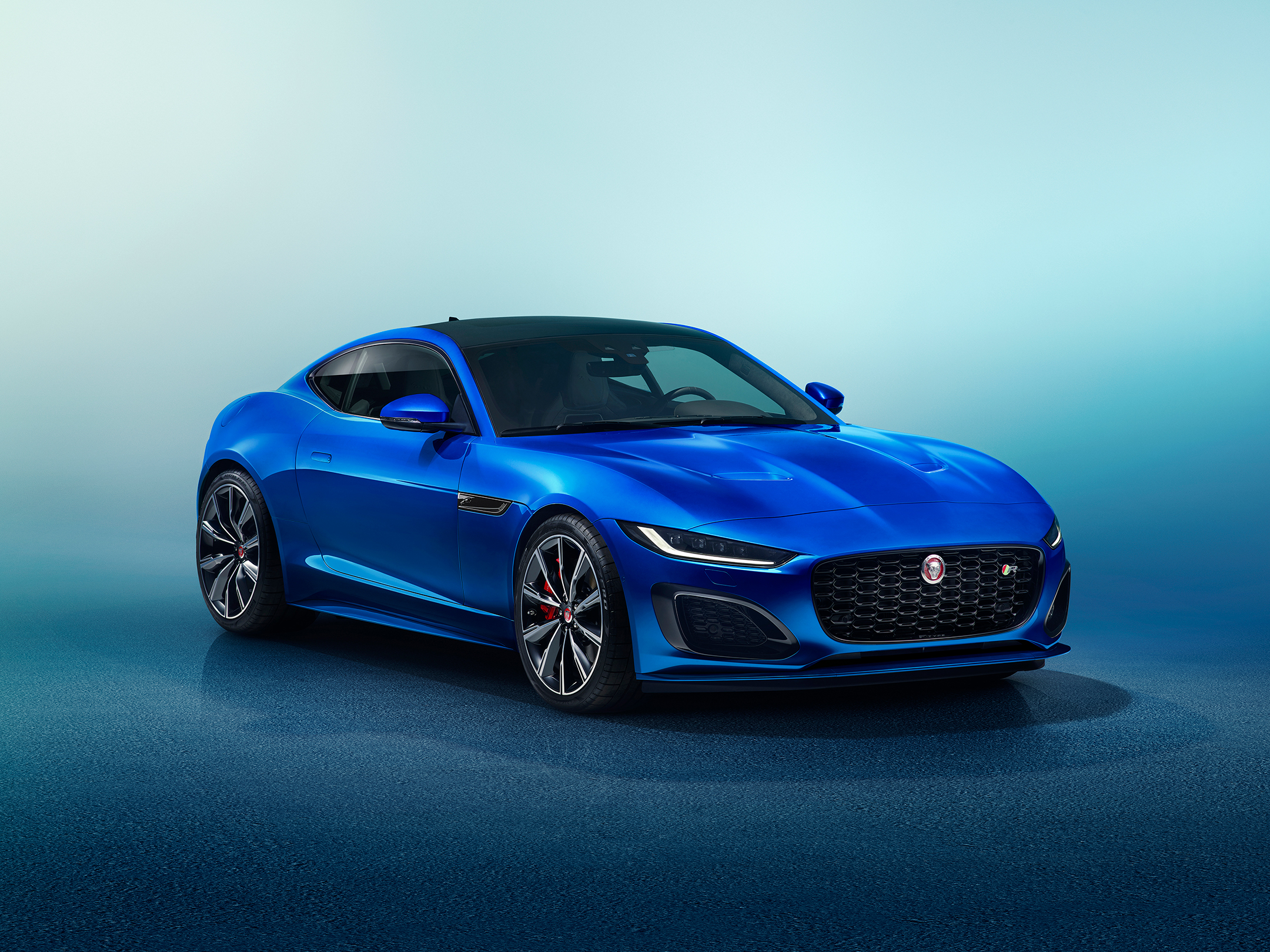 Jaguar F-TYPE - 2019 - front side-face / profil avant