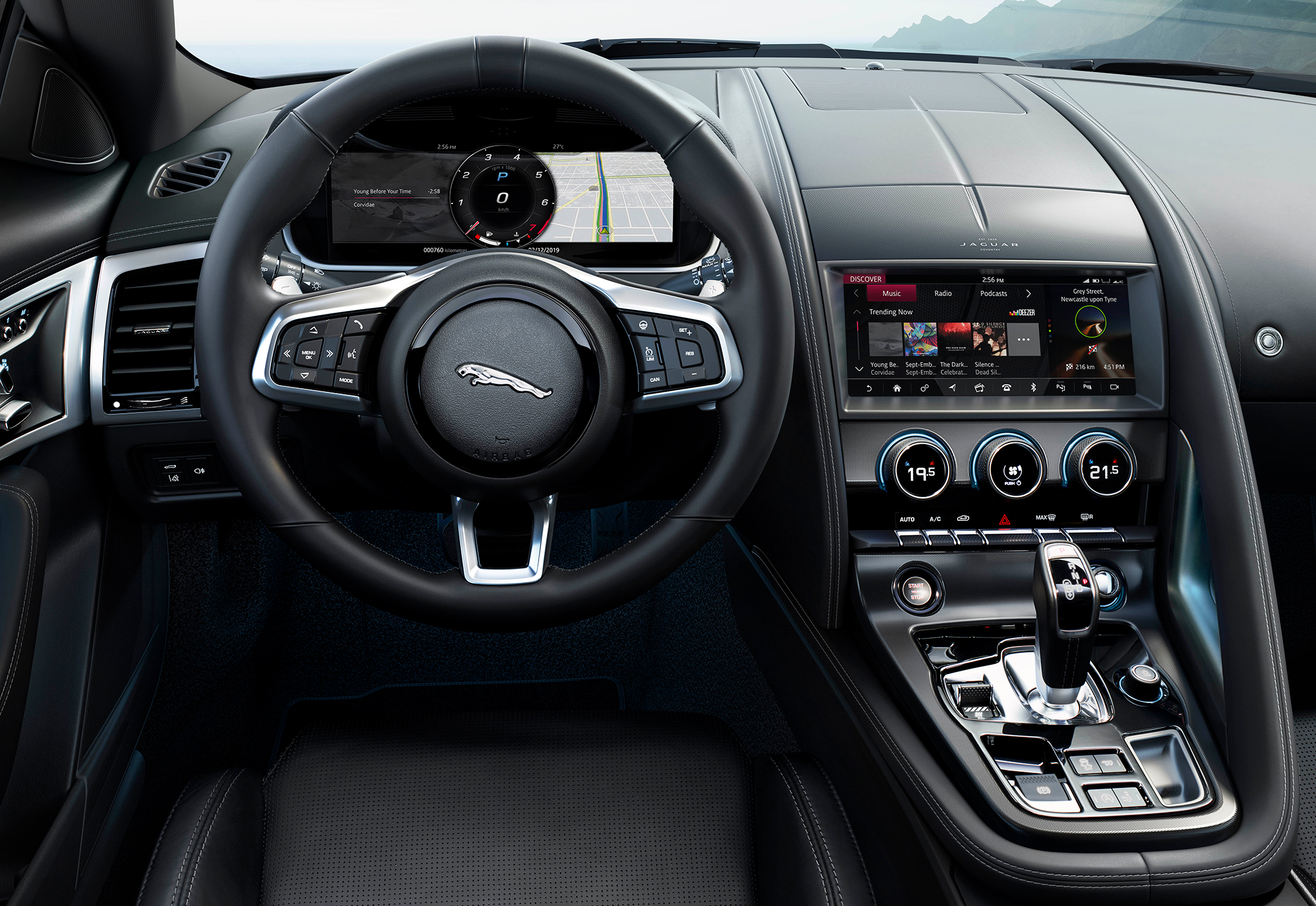 Jaguar F-TYPE - 2019 - steering wheel / volant