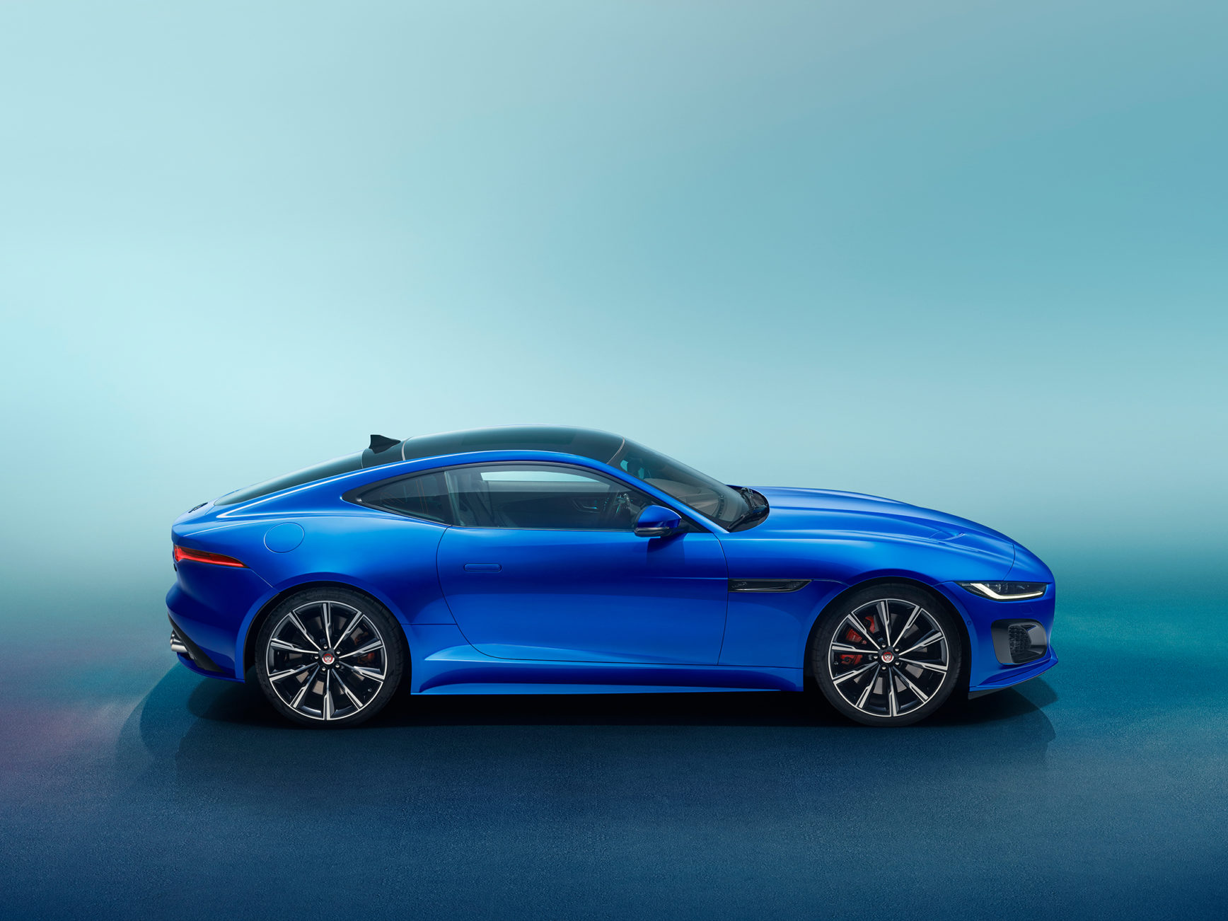 Jaguar F-TYPE - 2019 - side-face / profil