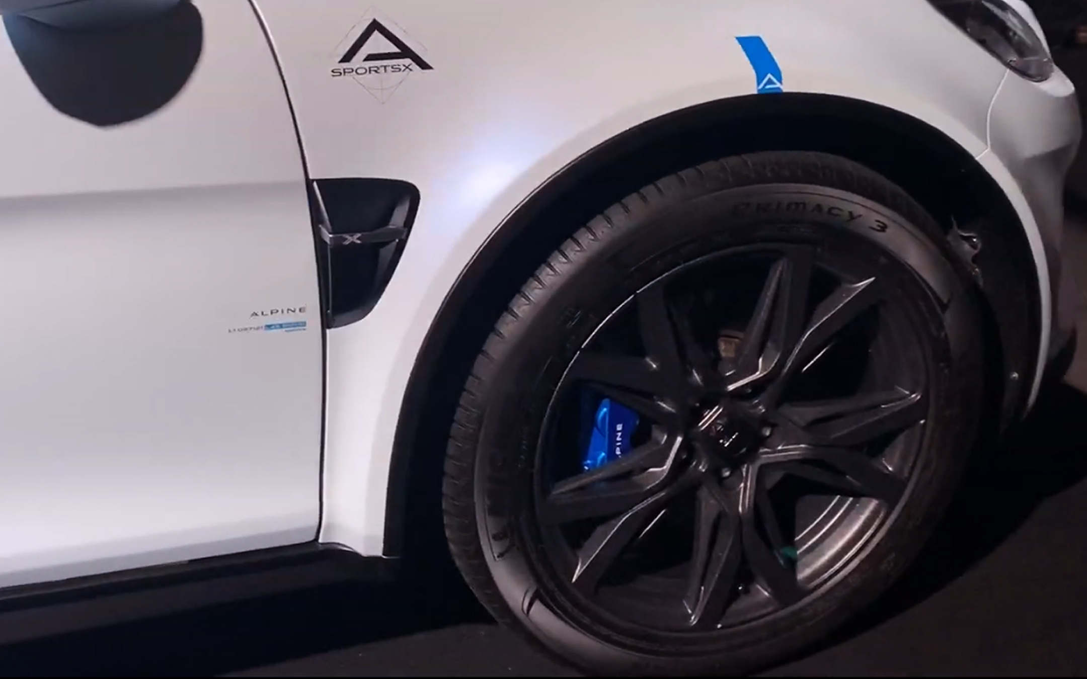 Alpine A110 Sports X - 2020 - front wheel / jante avant - tyre / pneu - Michelin Primacy 3 - preview - showcar - photo screen video - FAI2020