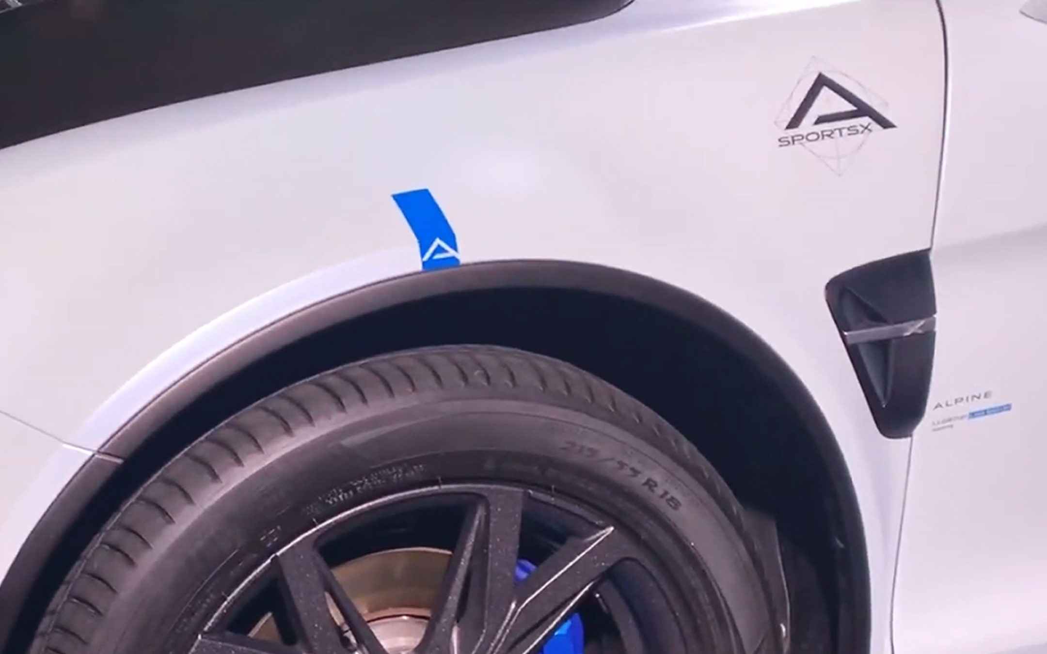 Alpine A110 Sports X - 2020 - logo A SPORTSX - preview - showcar - photo screen video - FAI2020