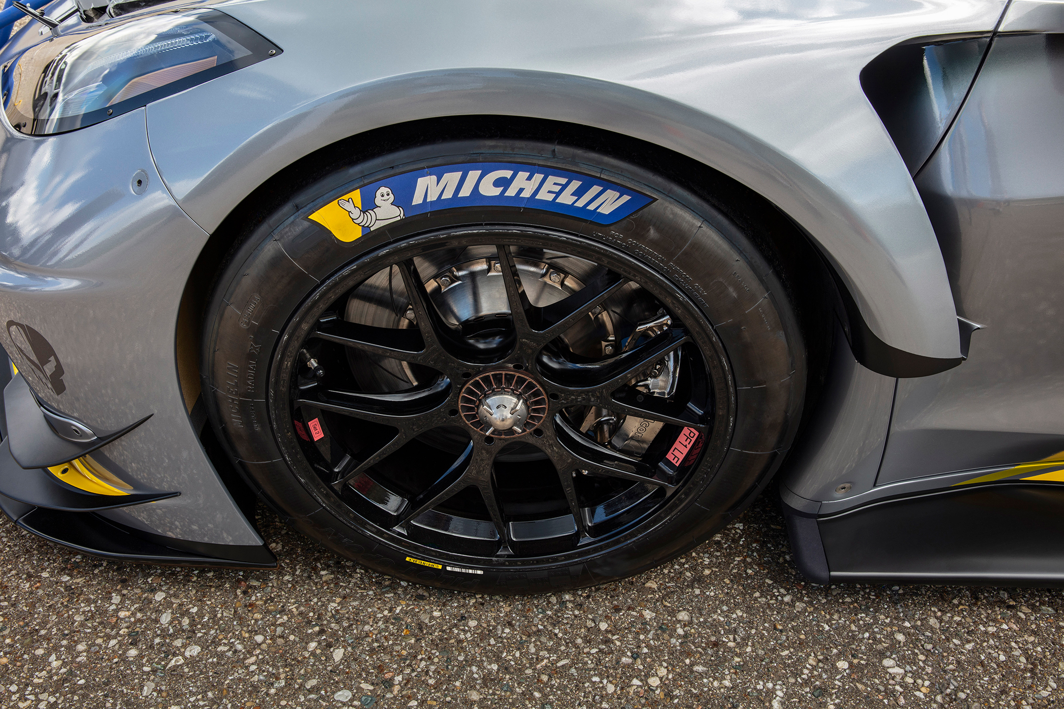 Chevrolet Corvette C8.R - 2019 - wheel / jante - top view - Michelin Pilot Sport GT competition - tires / pneus