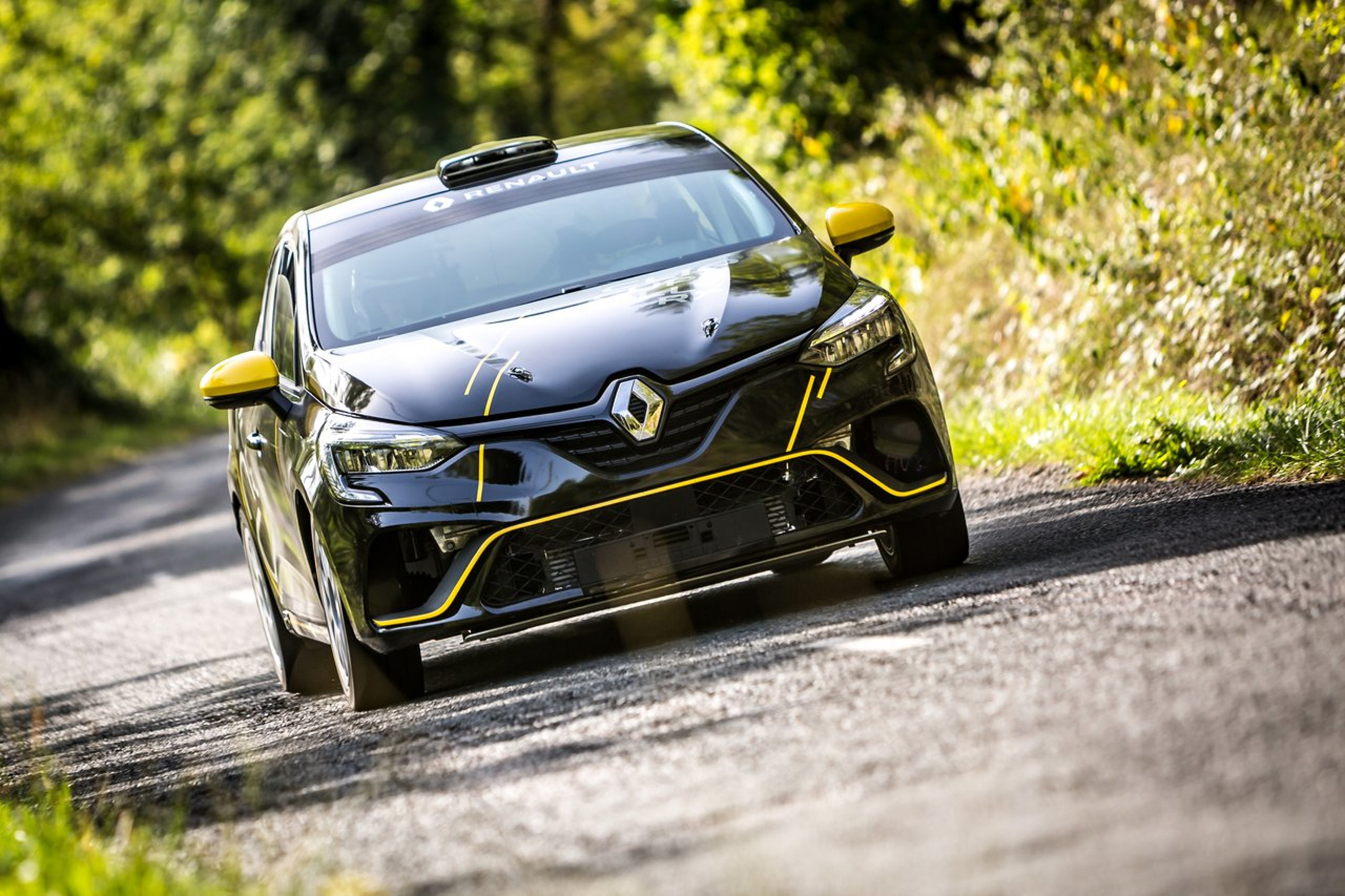 Renault Clio Rally - 2020 - front / avant - on road / sur route