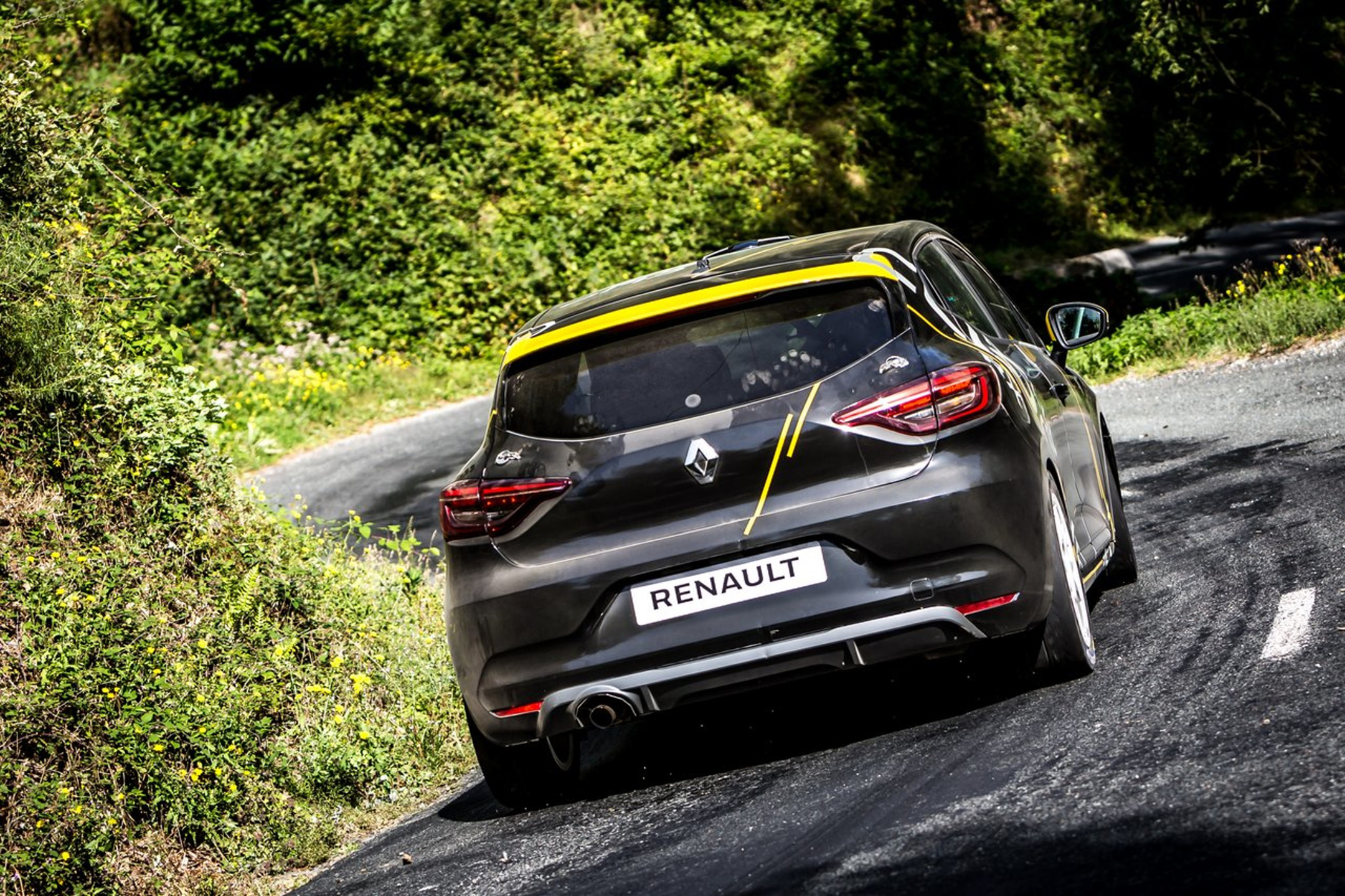 Renault Clio Rally - 2020 - rear / arrière - on road / sur route