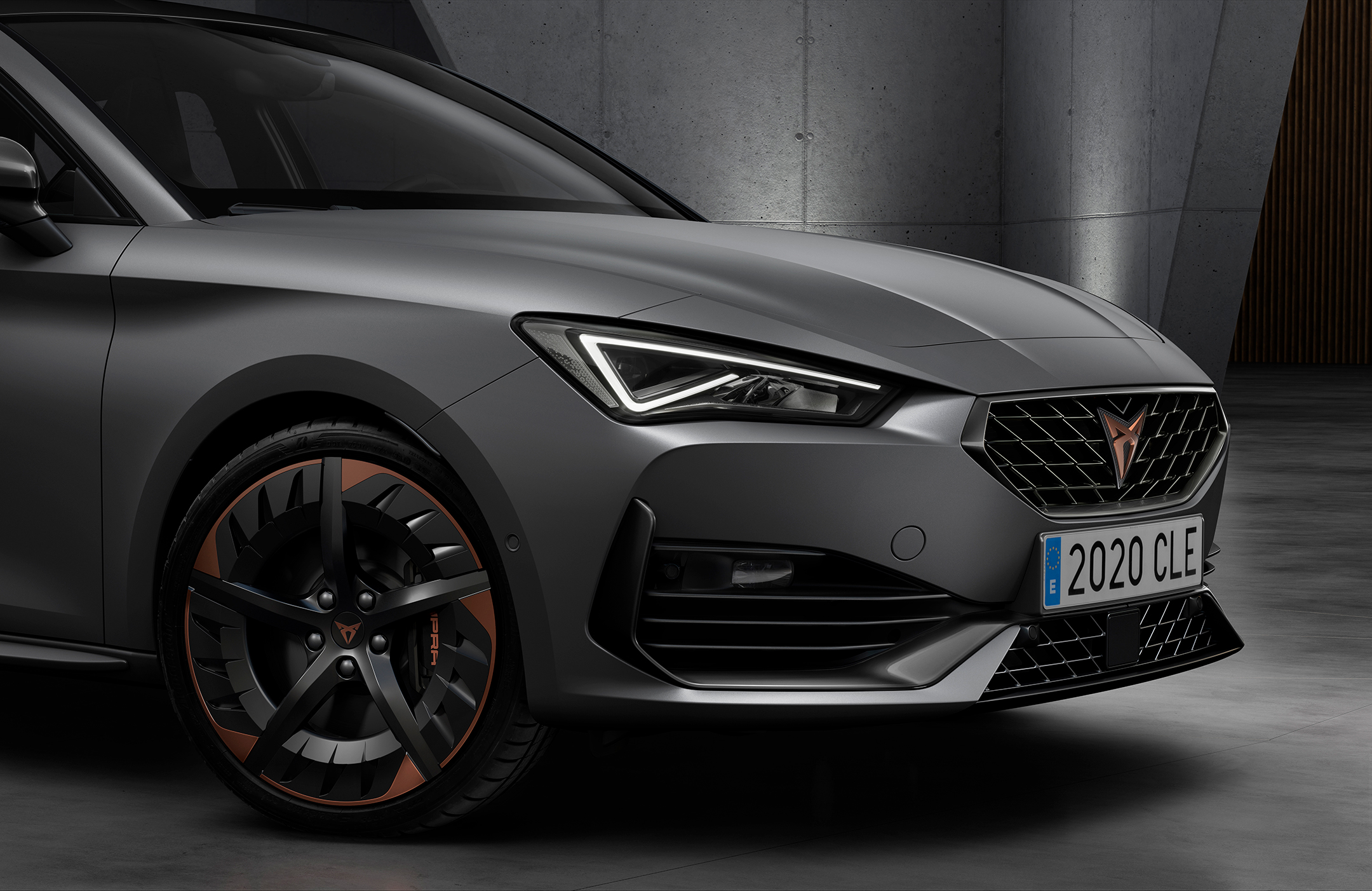 CUPRA Leon - 2020 - front light