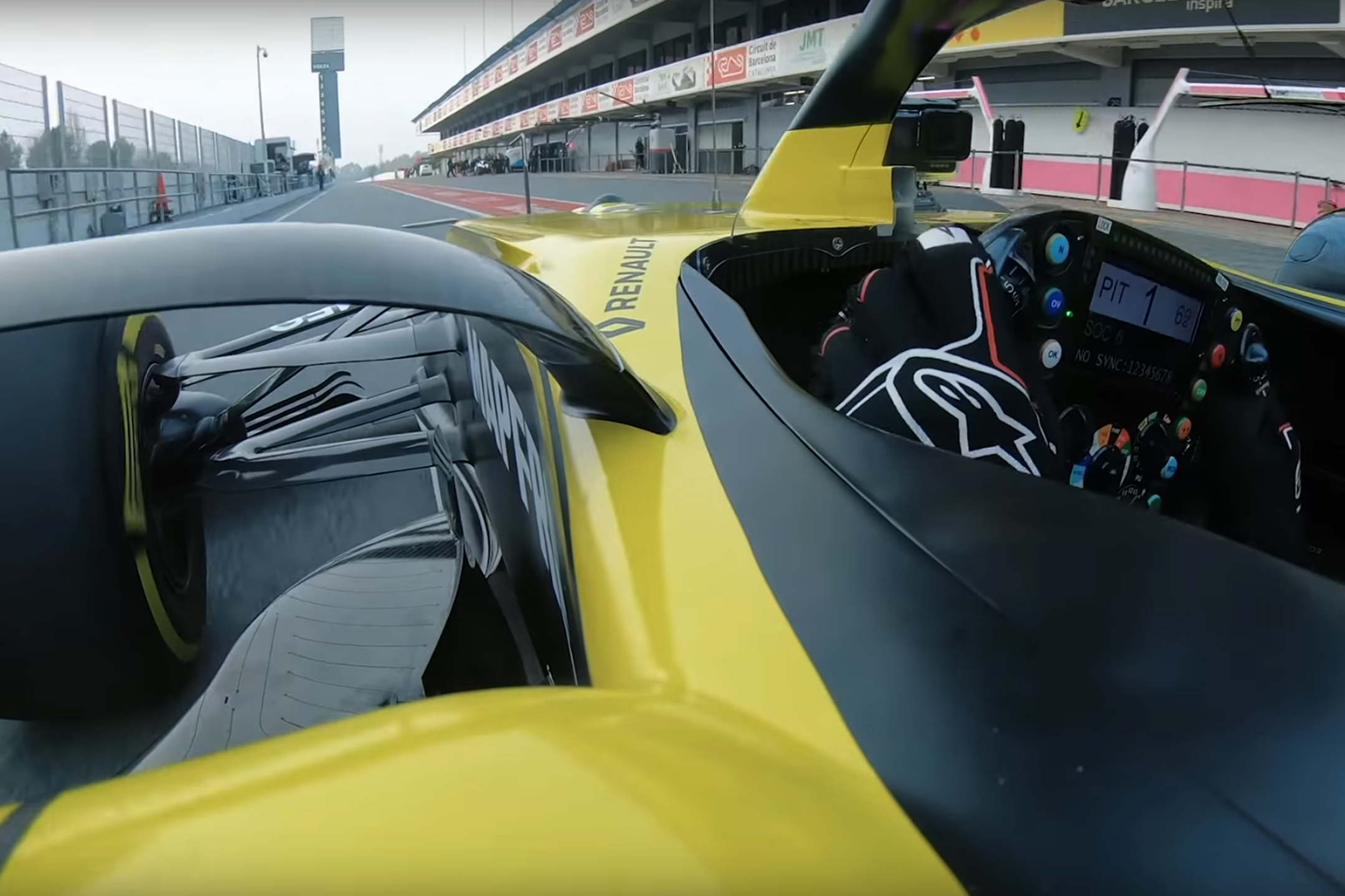F1 - Renault F1 Team - R.S. 20 - 2020 - onboard pitlane to track - racing 1st lap livery - preview screen