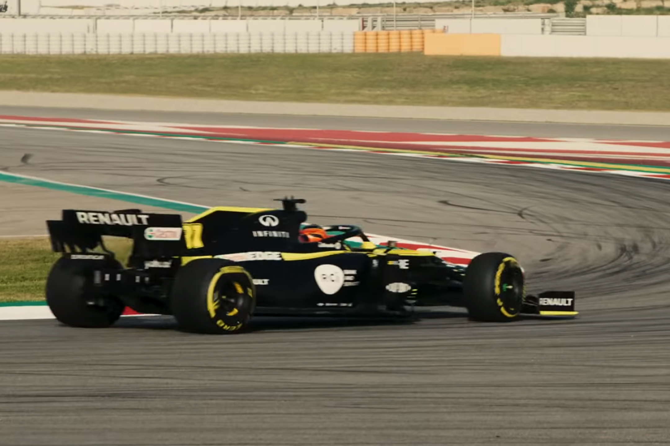 F1 - Renault F1 Team - R.S. 20 - 2020 - rear side-face speed track - racing 1st lap livery - preview screen