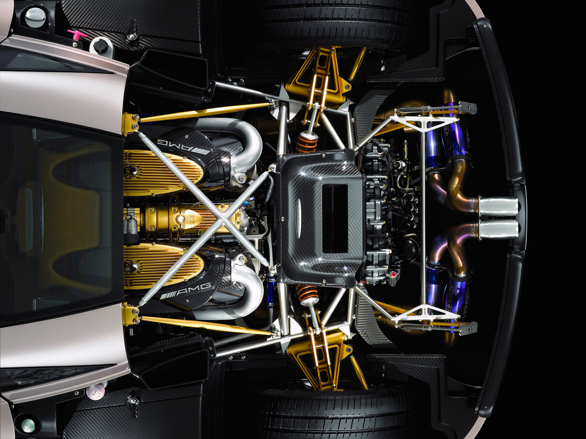 Pagani Huayra - 2018 - engine / moteur / Motoren -  AMG V12 - top view - under the hood