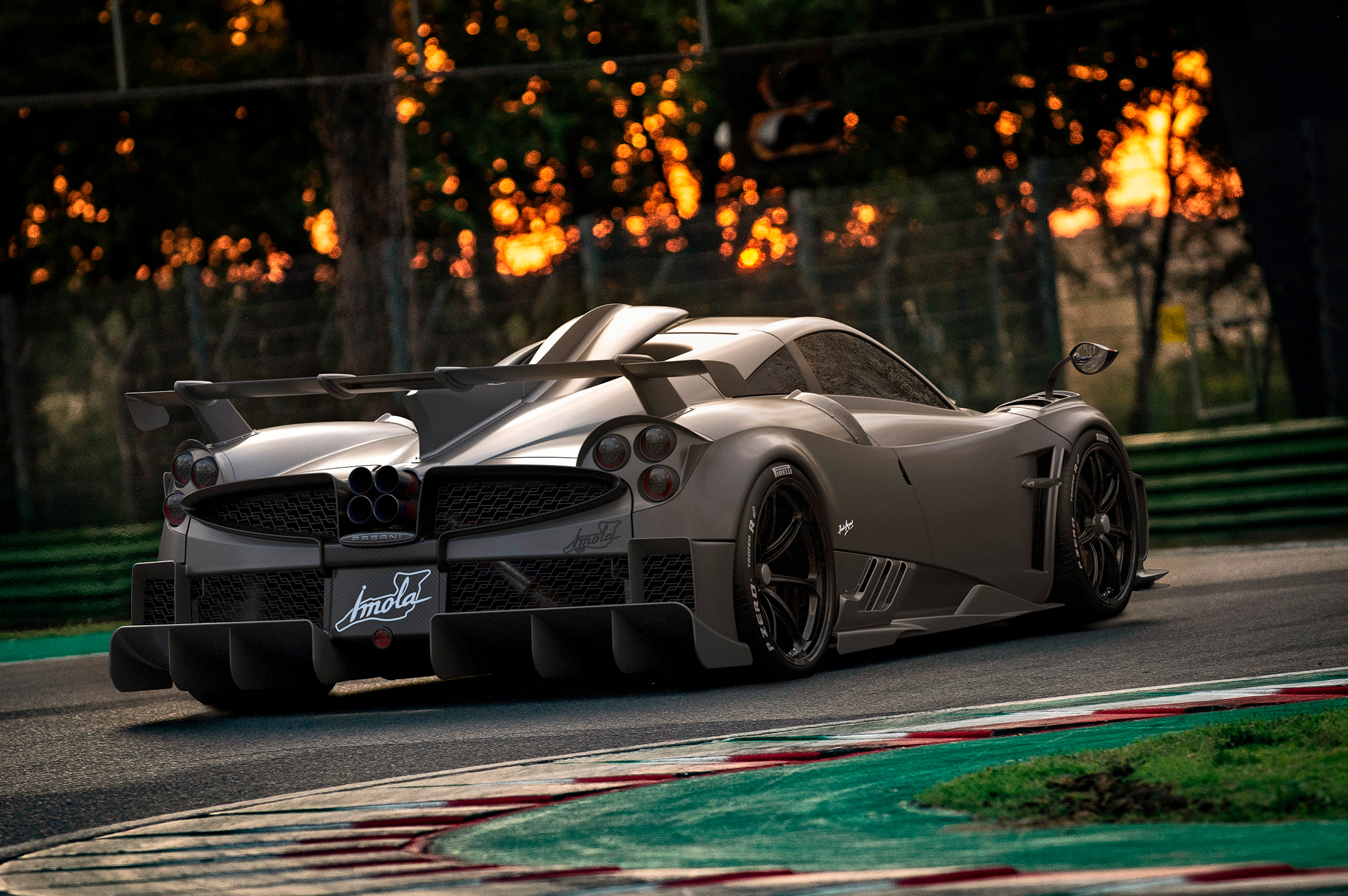 Pagani Imola - 2020 - rear side / arrière - on track / sur circuit / in pista