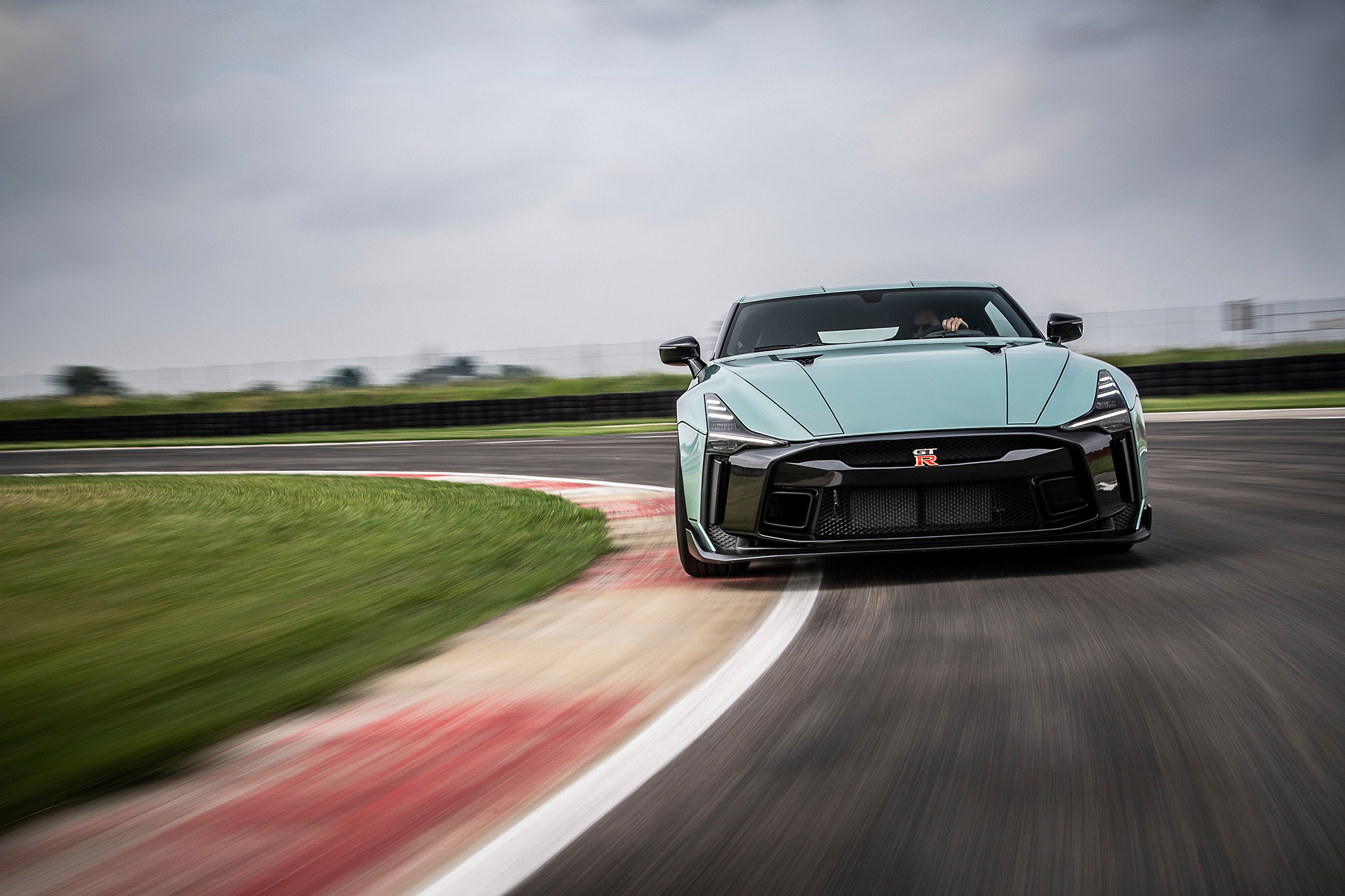 Nissan GT-R50 by Italdesign - 2020 - front-face / face avant - on track / sur circuit