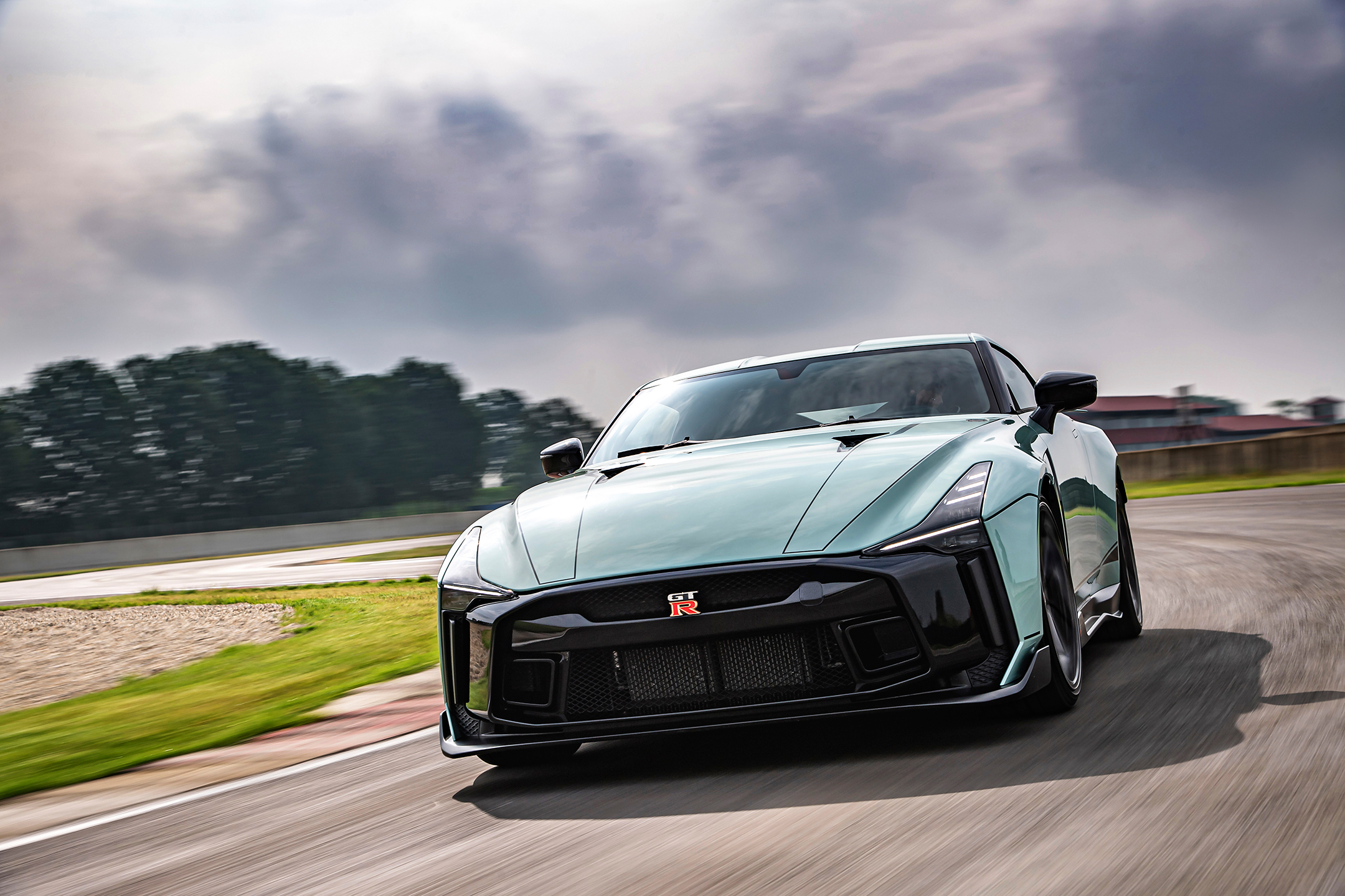 Nissan GT-R50 by Italdesign - 2020 - front side-face / profil avant - on track / sur circuit