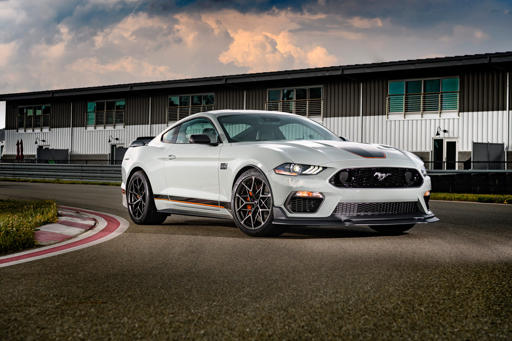 Ford Mustang Mach 1 - 2020 - front side-face / profil avant