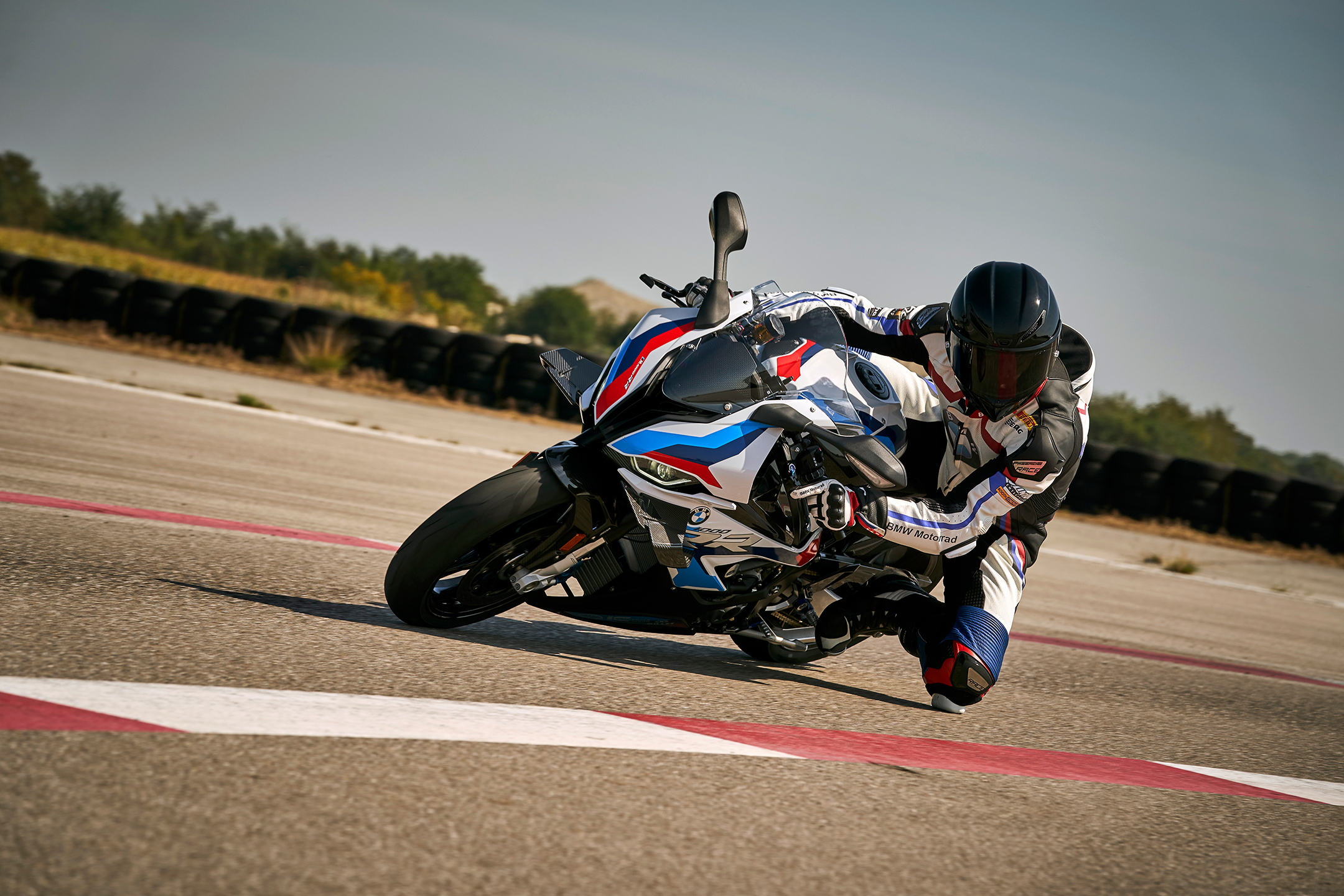 BMW M 1000 RR - 2020 - on track / sur circuit