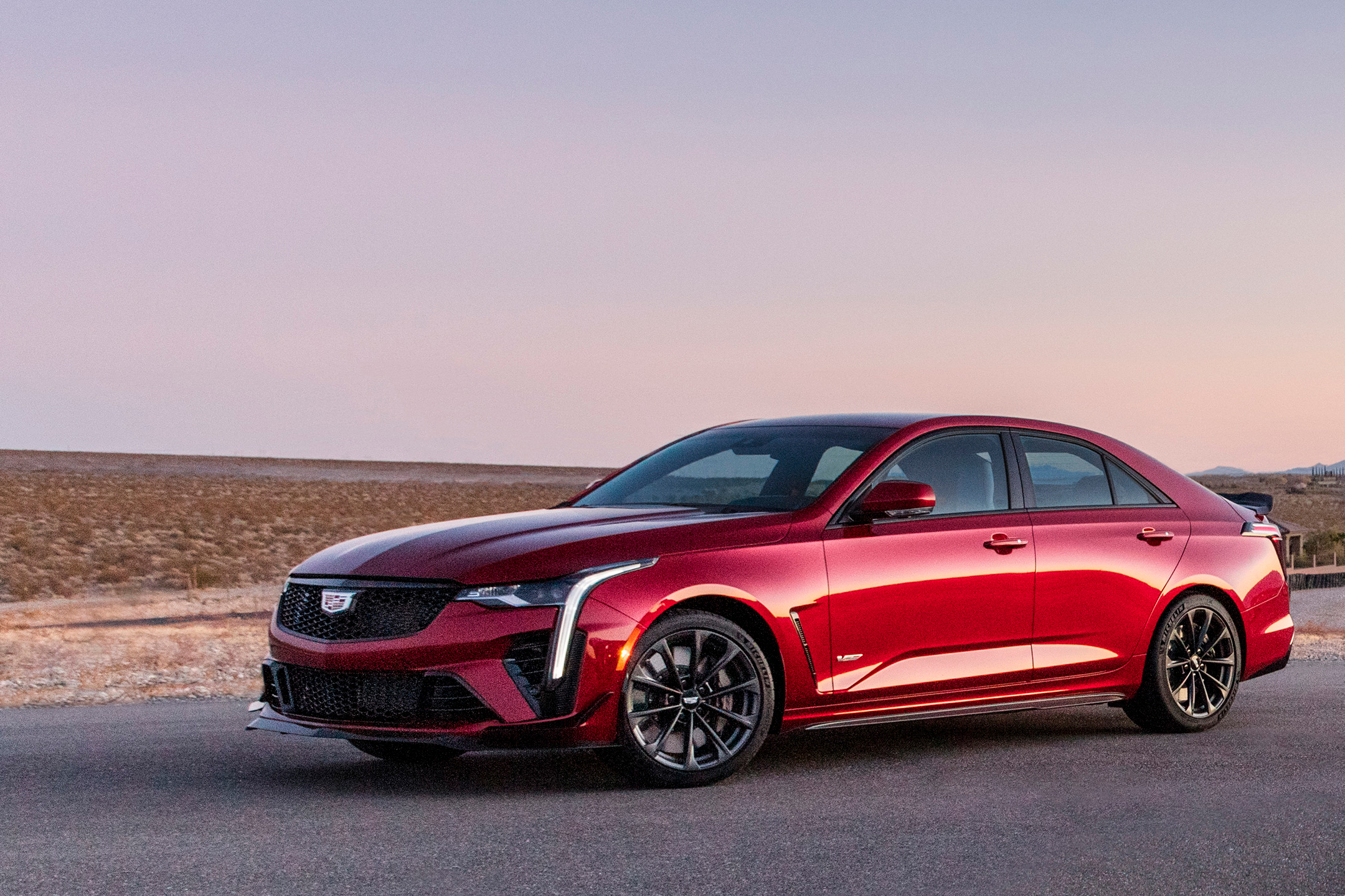 Cadillac CT4V Blackwing - 2021 - front side-face / profil avant