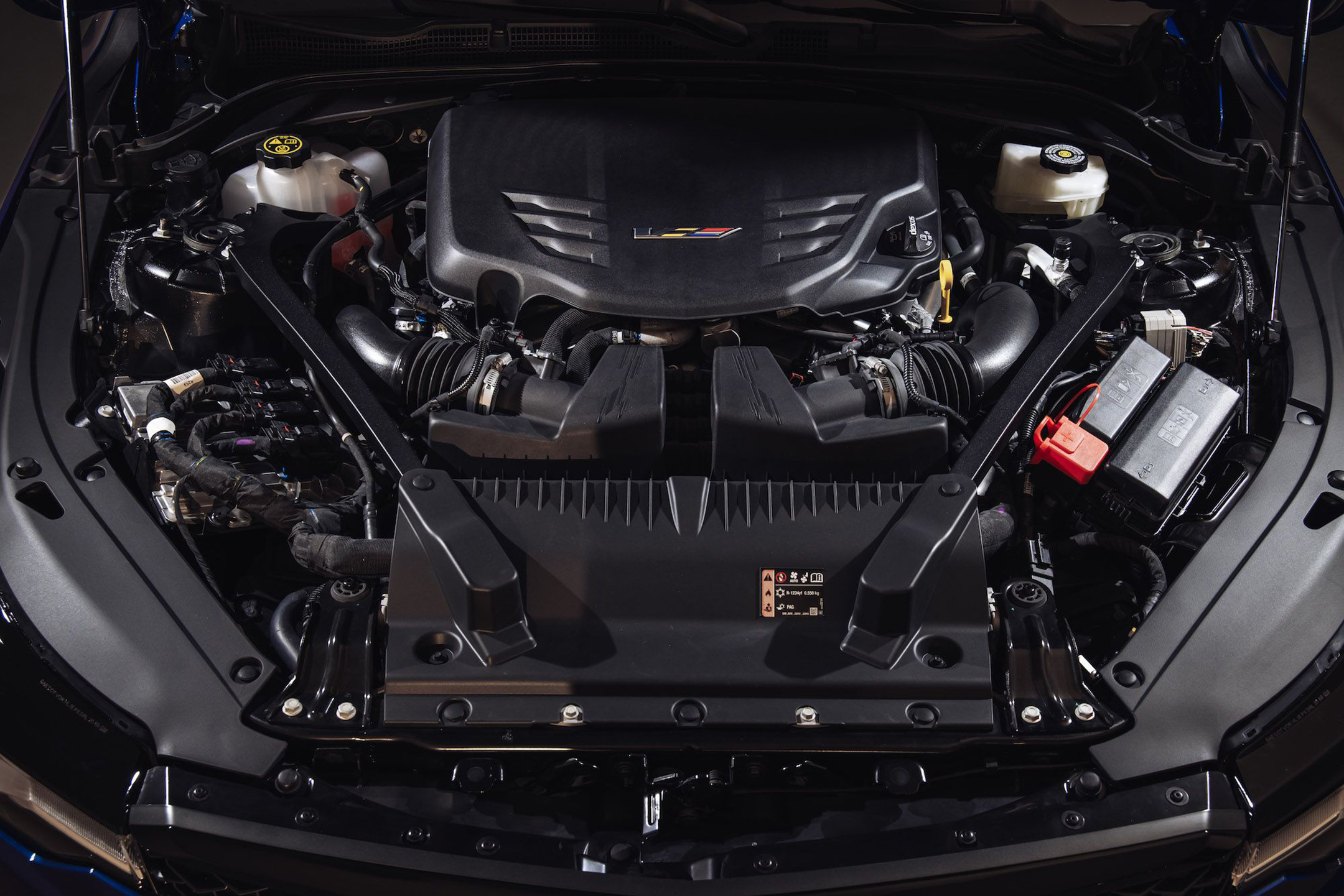 Cadillac CT4V Blackwing - 2021 - V6 3.6L Twin-Turbo - engine / moteur - under the hood - photo by Michael Simari via RoadandTrack