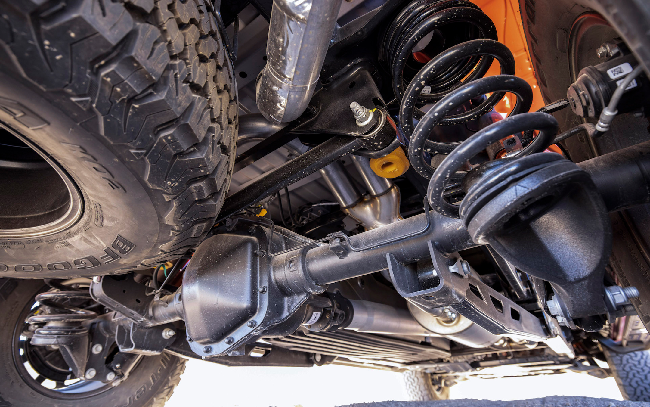 Ford F-150 Raptor - 2021 - behind the wheel - FOX suspension