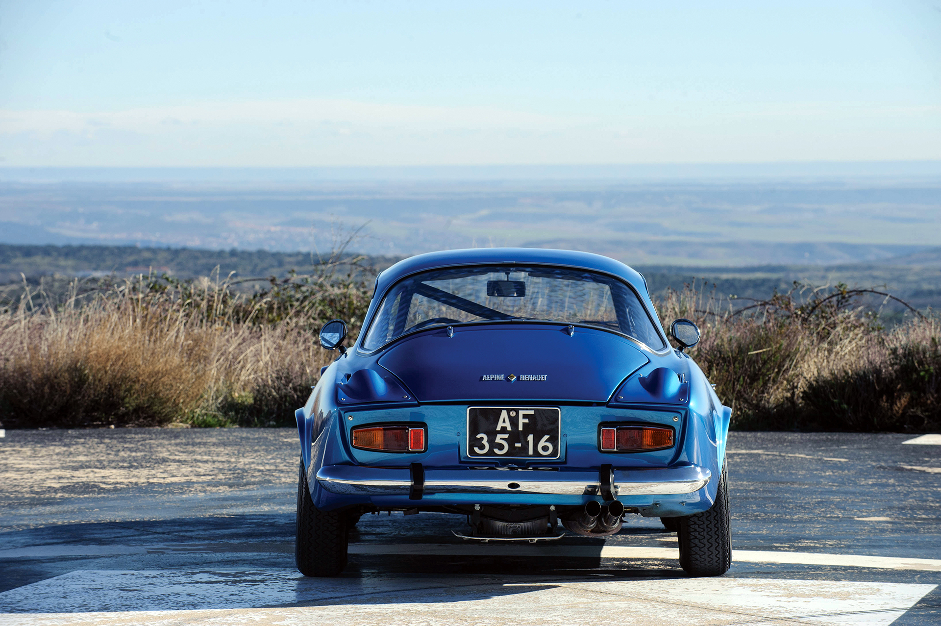 Alpine A110 1600S - arrière / rear - Photo Tom Wood 2015 Courtesy of RM Auctions