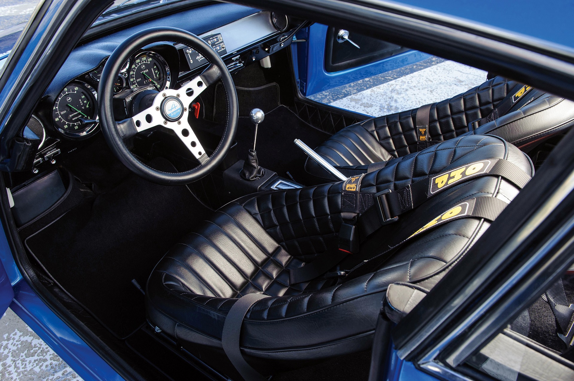 Alpine A110 1600S - intérieur / interior - Photo Tom Wood 2015 Courtesy of RM Auctions